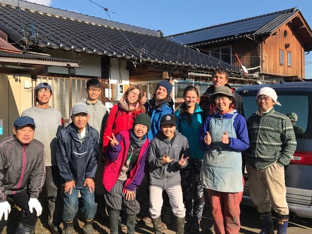 Japonija. Su šeima, pas kurią pora savanoriavo obuolių fermoje. Asmeninio archyvo nuotr.