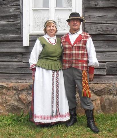 Sirutiškio kultūros darbuotojas Henrikas Docius su žmona Violeta. Asmeninio archyvo nuotr.
