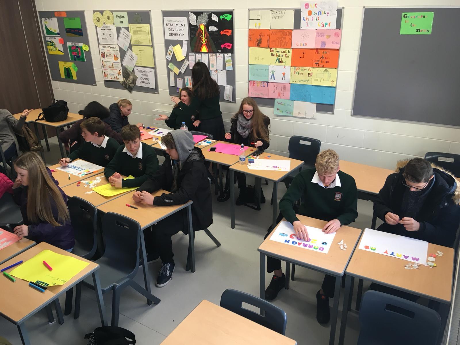 Mokiniai iš penkių šalių draugiškai mokosi. Asmeninio archyvo nuotr.