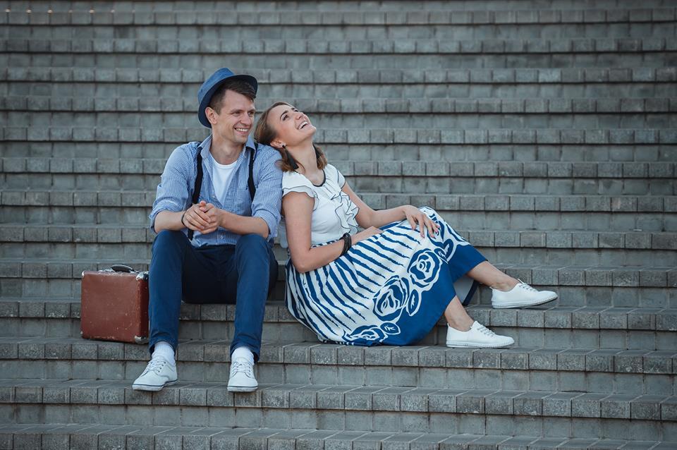 Kraštietis A. Vaiginis per trejus metus vedė daugiau nei šimtą vestuvių švenčių. Savųjų dar neatšoko, tačiau pirmasis žingsnis jau žengtas – jis pasipiršo savo mylimajai Evelinai. Mindaugo Riaukos nuotr.