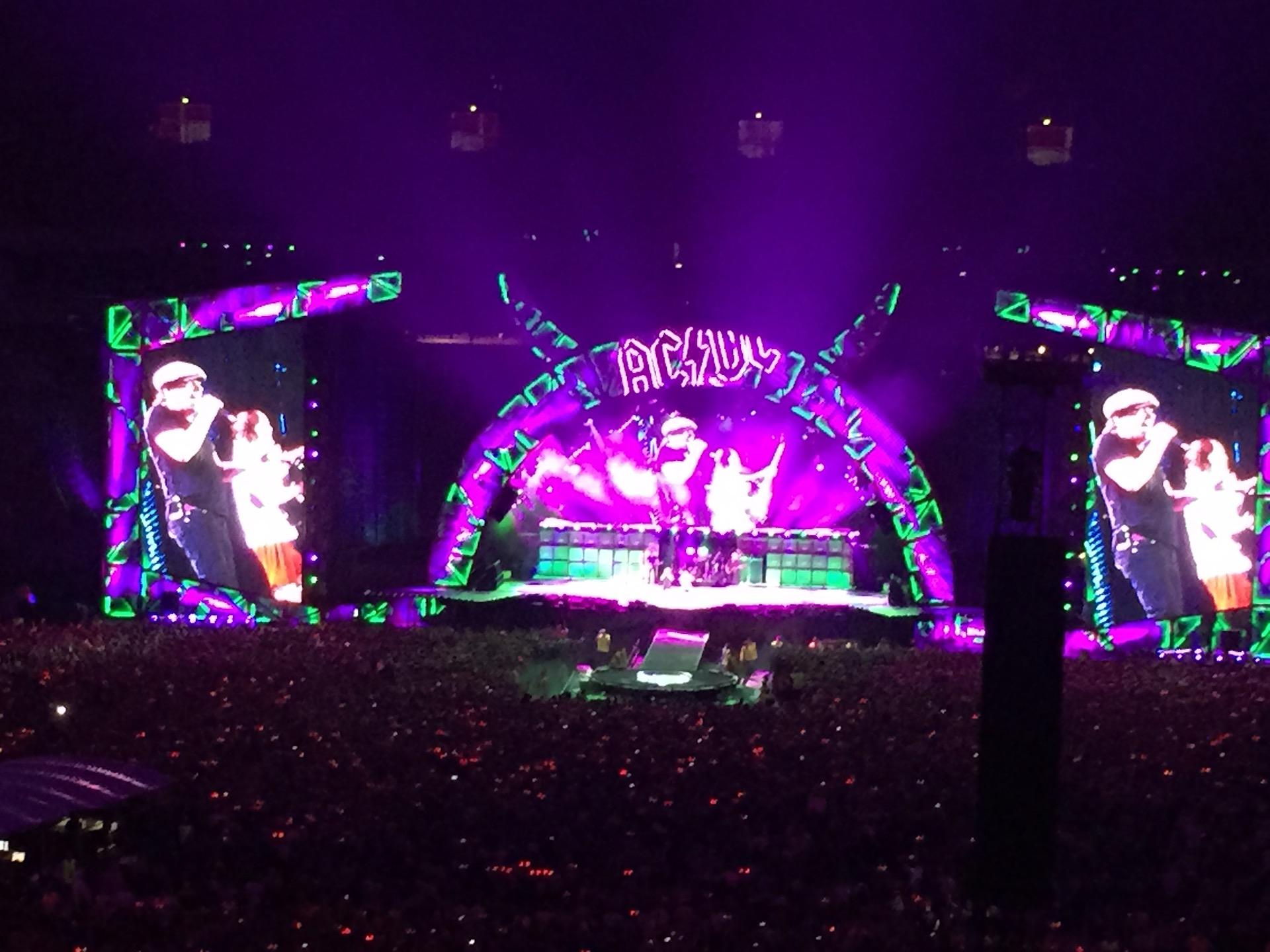 Kėdainietis Alvydas – geros muzikos ir didelių koncertų mėgėjas. Vienas paskutinių stebėtų – grupės AC/DC koncertas Varšuvoje. Dabar kraštietis su nekantrumu laukia Bon Jovi pasirodymo Taline birželį. Asmeninio archyvo nuotr.