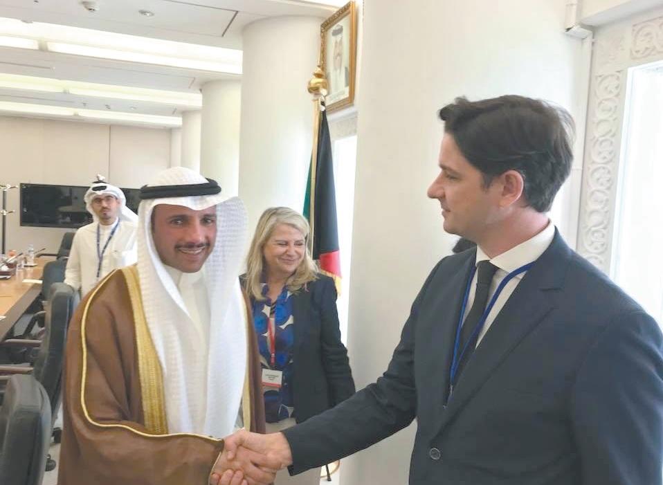 Kėdainietis Andrius Avižius (dešinėje) su Kuveito parlamento pirmininku. Asmeninio archyvo nuotr.