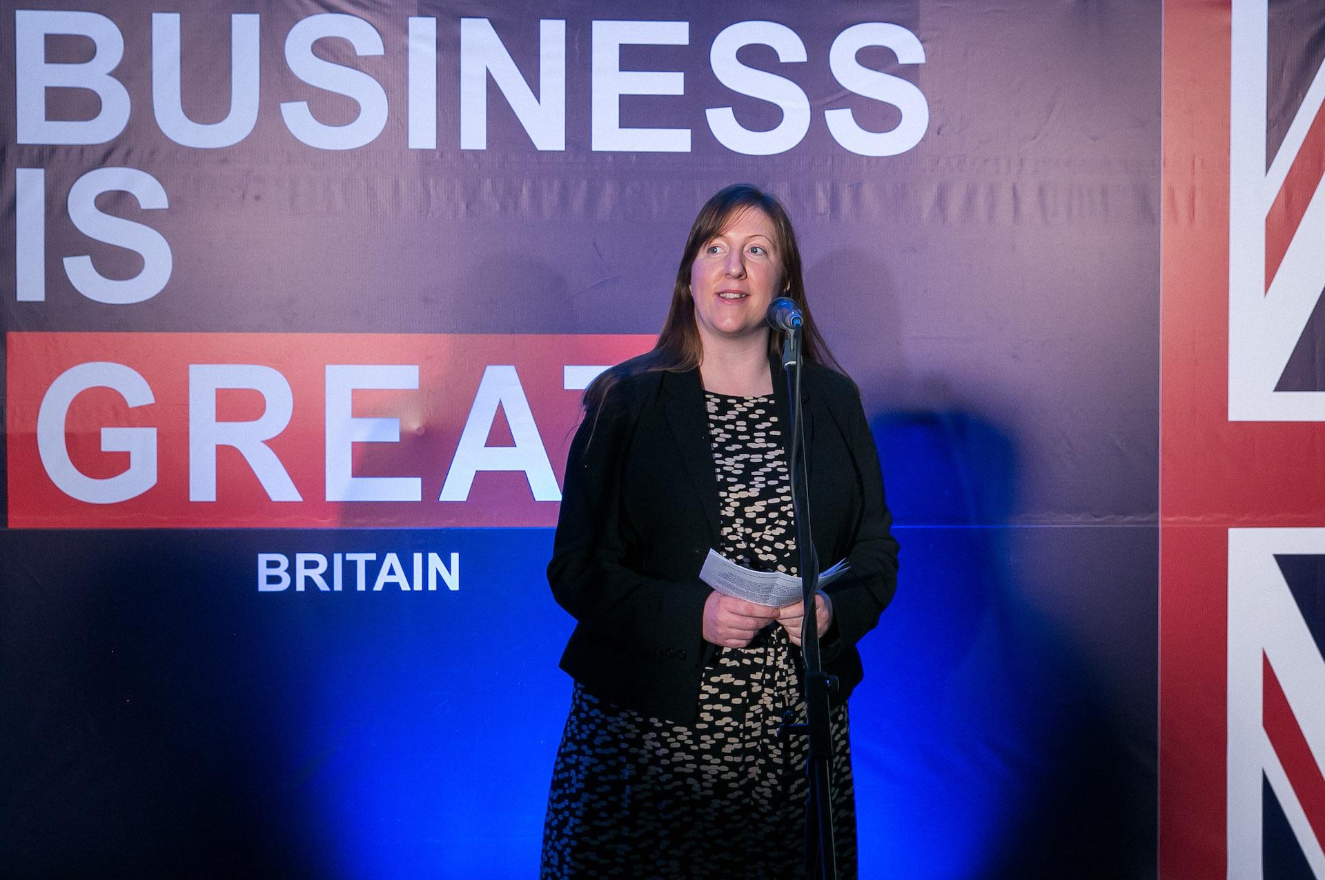 """Claire Louise Lawrence: """"Manau, kad tiek Jungtinė Karalystė, tiek Lietuva – yra valstybės, kurių žmonės iš visų jėgų """"stovi"""" už tai, kuo išties tiki. Ir tai tampa labai akivaizdu, kuomet kalba pakrypsta apie vidaus ir išorės saugumo klausimus."""" JK ambasados Lietuvoje nuotr."""