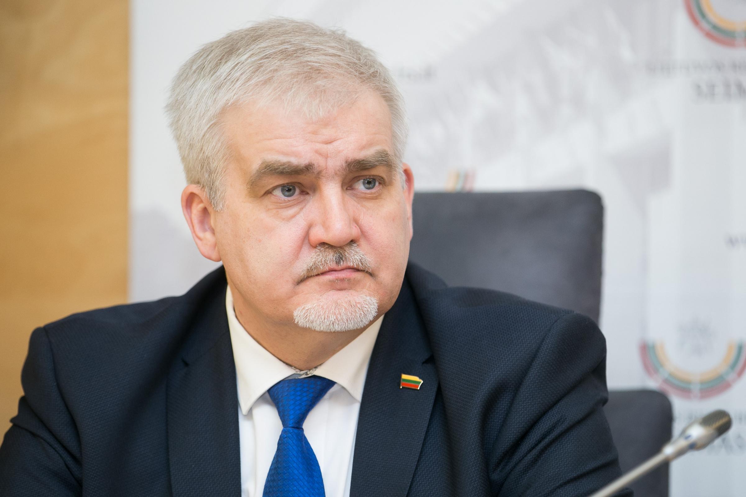 Darius Kaminskas siekia, kad kitų metų biudžete papildomas šimtas milijonų eurų būtų skirti asmens sveikatos priežiūros išlaidoms. / BNS nuotr.