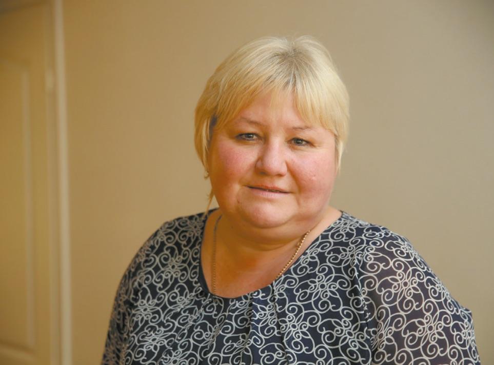 """Vainikų bendruomenės pirmininkė Diana Marozienė neslepia, kad bendruomenė buvo kiek pasimetusi, kai išgirdo apie Lietuvoje skelbiamą karantiną dėl koronaviruso. / Algimanto Barzdžiaus / """"Rinkos aikštės"""" archyvo nuotr."""