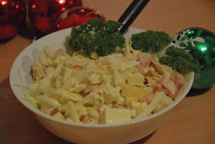 Gaiviosios vištienos ir ananasų salotos./ Asmeninio archyvo nuotr.