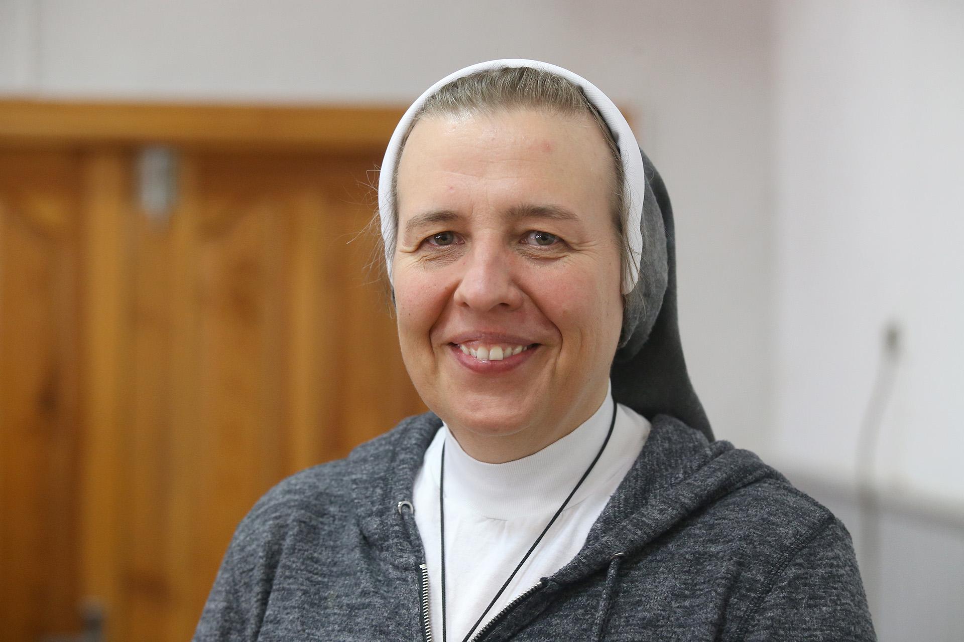 Konferencijoje pranešimą apie prekybą žmonėmis skaitė Šventosios Šeimos Seserų Kongregacijos vienuolė Fausta Palaimaitė. A. Barzdžiaus nuotr.