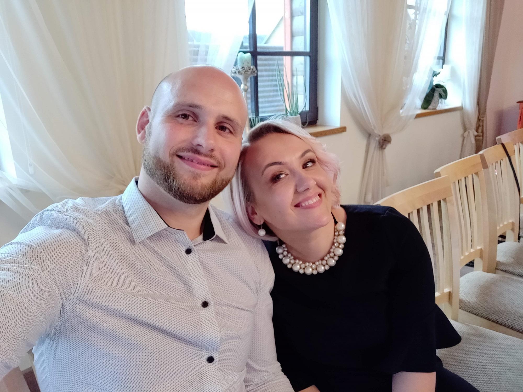 Kraštietis G. Šilkaitis su žmona Kristina. Duetas vieningai sutaria: Giedrius maistą ruošia skaniai, o jo išrinktoji – greitai./ Asmeninio archyvo nuotr.
