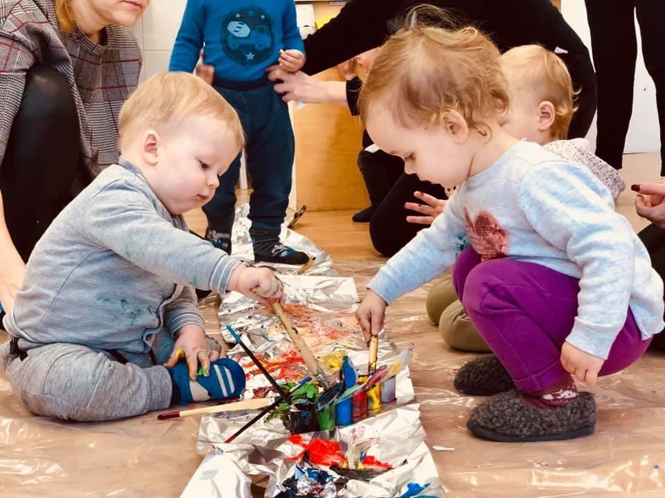 """Anot Viktorijos Kanaporienės """"7 intelektų ugdymo programoje"""" sutalpinta viskas, kas yra būtina visaverčiam ir sparčiam mažylio vystymuisi pirmaisiais jo septyneriais gyvenimo metais. / Asmeninio archyvo nuotr."""