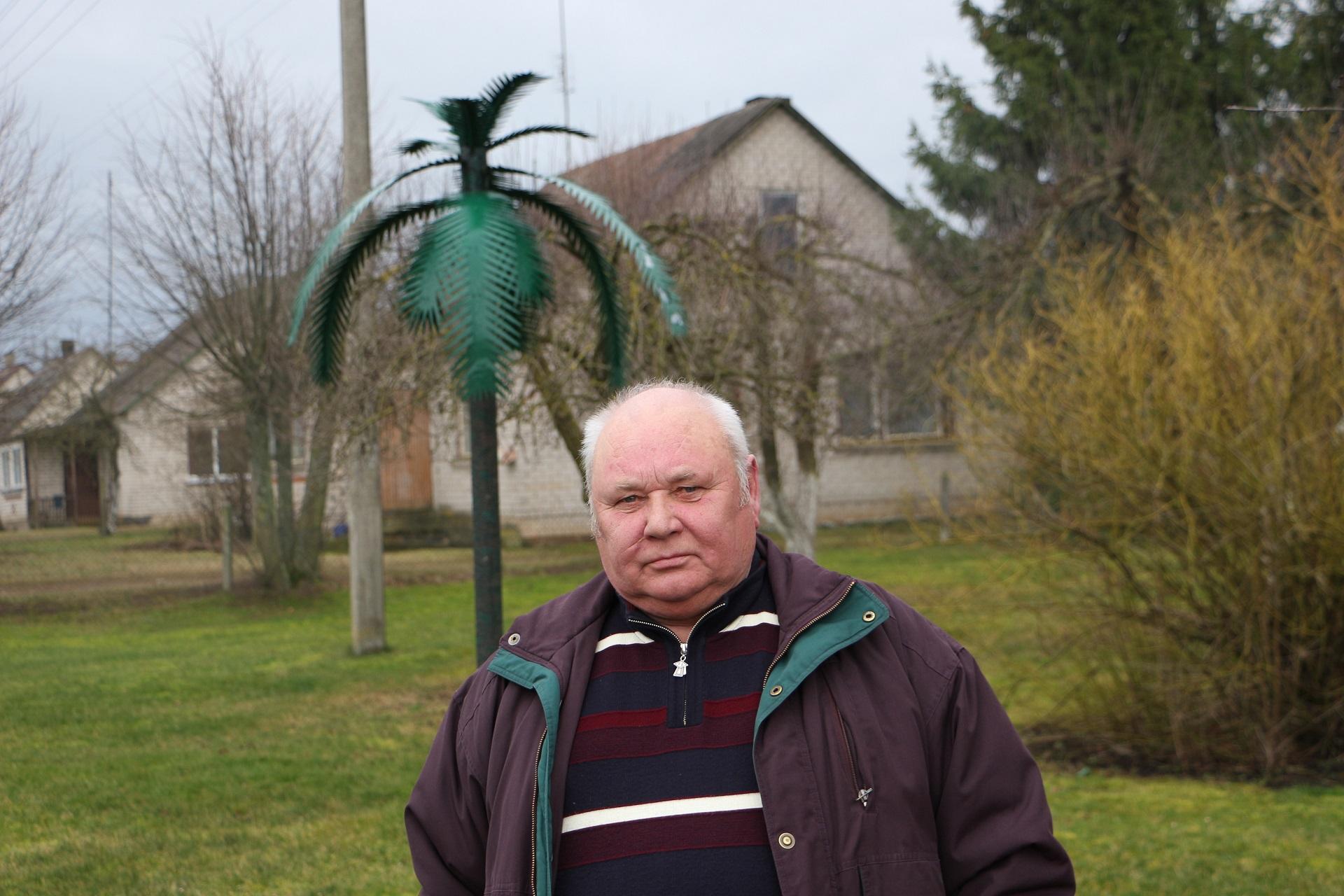 Bronius Stašinskas, kaip didžioji dauguma Beinaičių kaimo gyventojų sako, visų galų meistras, niekada neatsisakantis padėti. / Džestinos Borodinaitės nuotr.