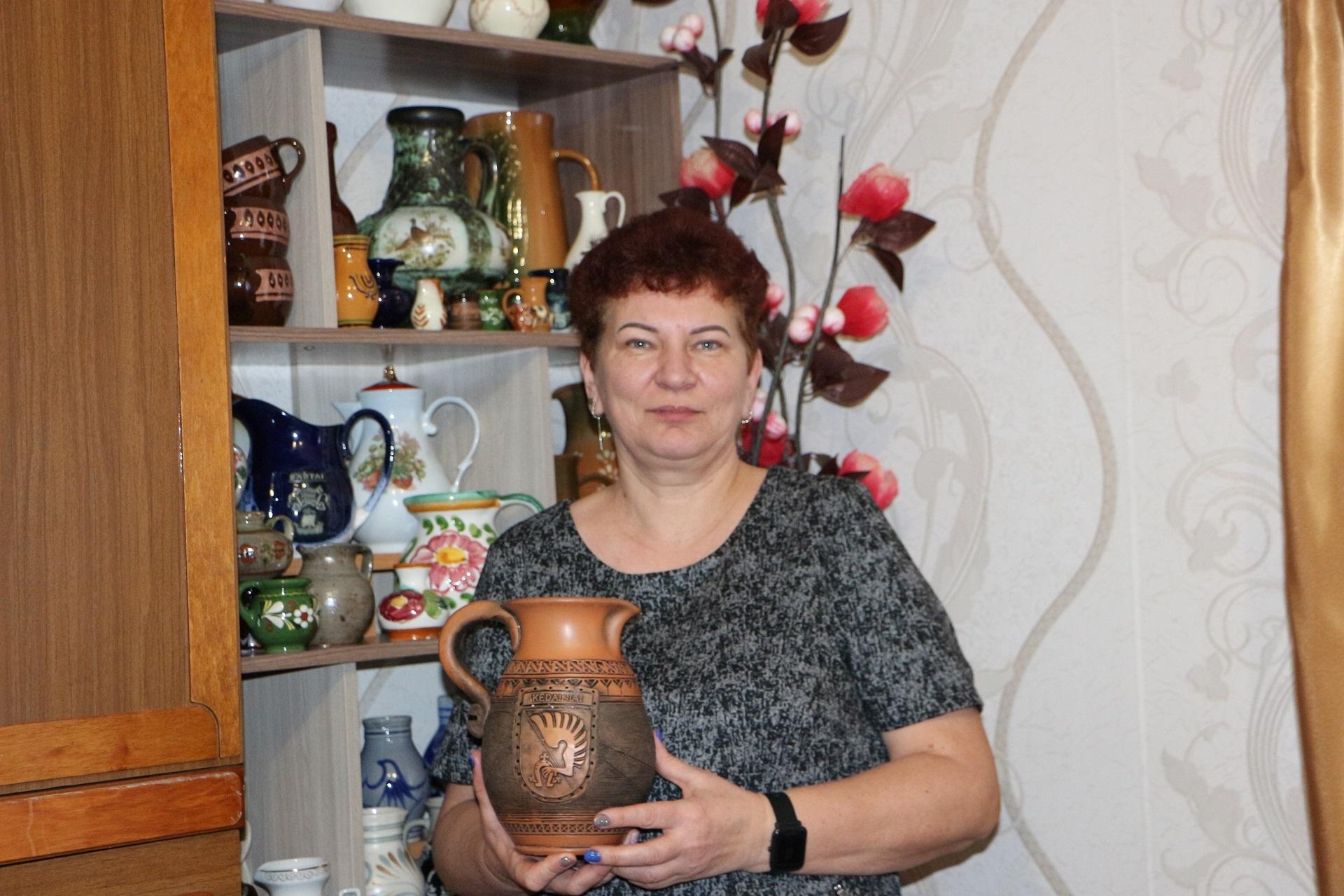 Nuo 1983 metų Beinaičiuose gyvenanti Rima Milašauskienė iš Panevėžio rajono į kaimą su tėvais atsikraustė būdama aštuntokė. / Džestinos Borodinaitės nuotr.
