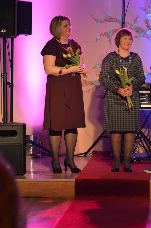 Inga Dovydienė drauge su Metų Moters titulą pelniusia Almone Šilkaityte. Modesto Kulviečio ir Aušrinės Tutkutės nuotr.