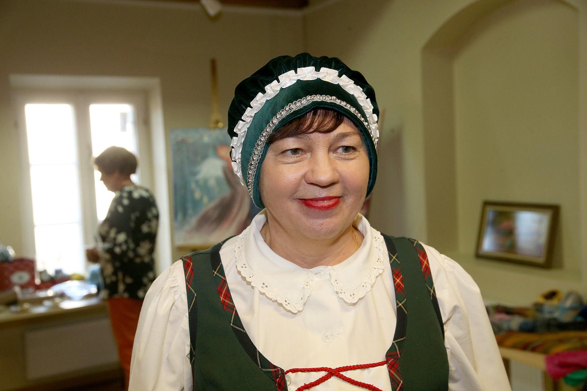 Kėdainių kultūros centro Tiskūnų skyriaus vadovė Irena Šalukienė džiaugiasi Tiskūnuose metai iš metų plėtojama kultūrine veikla ir bendruomenės žmonių noru prisijungti prie jos. / A. Barzdžiaus nuotr.