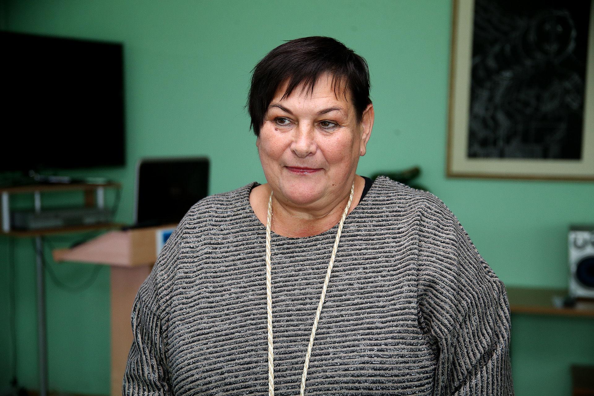 Kėdainių suaugusiųjų ir jaunimo mokymo centro direktorė Irina Jančiukienė džiaugiasi prieš ketverius metus Suaugusiųjų ir jaunimo mokymo centre įsteigto Trečiojo amžiaus universiteto veikla. / A. Barzdžiaus nuotr.