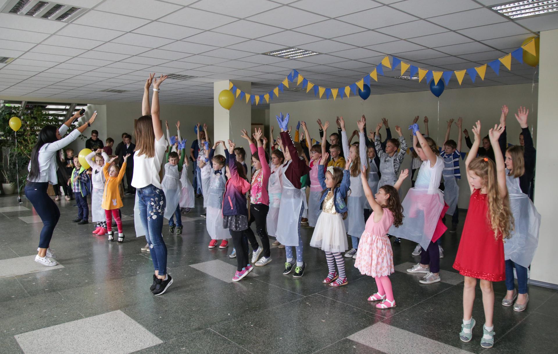 Dar viena šių metų Šeimos dienos pramoga – bendras flashmobo šokis, kurį parengė Natalija Tokareva.