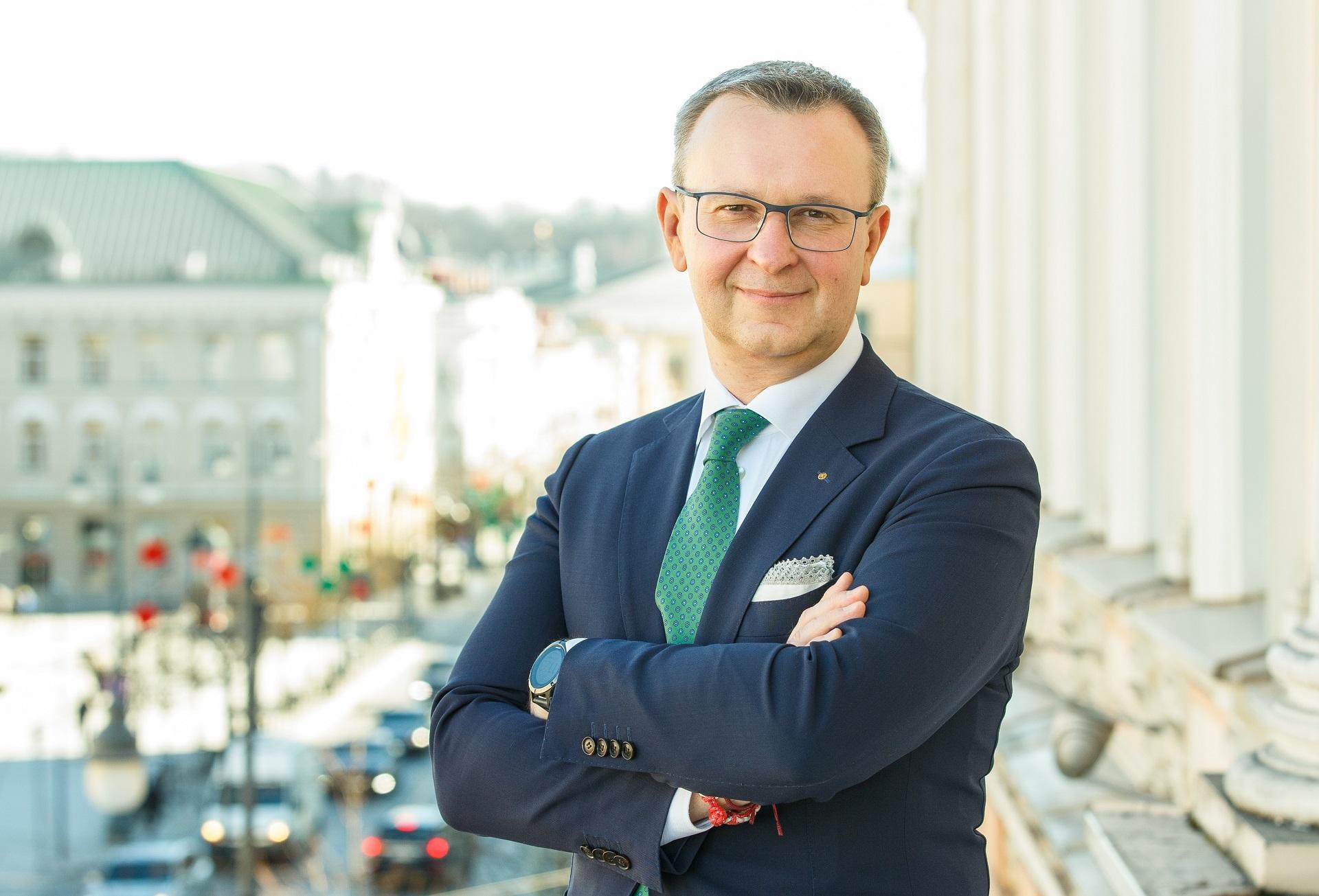 Lietuvos bankų asociacijos prezidentas Mantas Zalatorius teigia, jog vis daugiau paslaugų tampa skaitmeninės, tad ateityje jų pasiūla, tikėtina, tik plėsis. / Asmeninio archyvo nuotr.