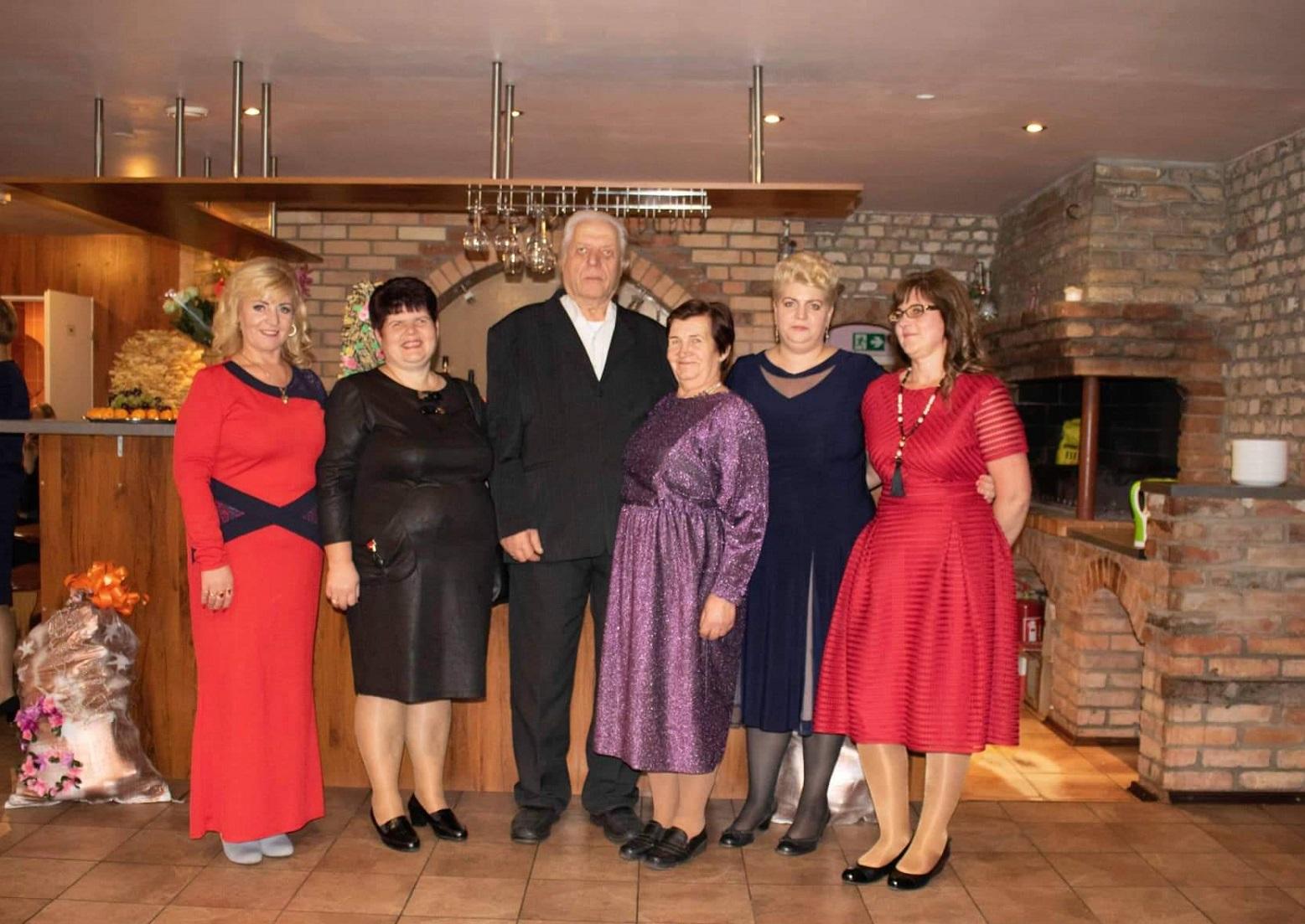 Irena ir Jonas užaugino keturias dukras: (iš dešinės) Andželiką, Kristiną, Vidą ir Elvyrą. Asmeninio archyvo nuotr.