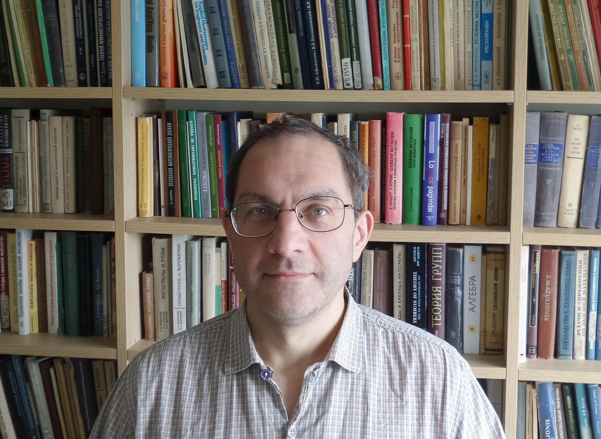 VDU lektoriaus Roberto Vilko teigimu, logiką mokyklose atstotų, jei būtų skiriama daugiau valandų matematikai. / Asmeninio archyvo nuotr.