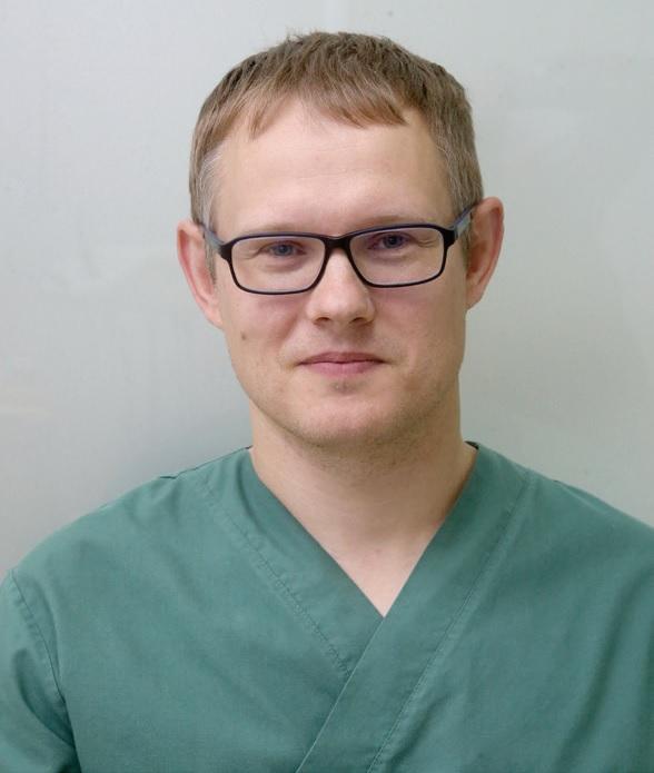 """Odontologijos klinikos """"VaivaDens"""" gydytojas anesteziologas-reanimatologas Sigitas Dimgaila: """"Džiaugsmingiausios akimirkos, kai iš vaikų išgirsti: """"Aš kirminukų neturiu ir man neskauda!"""" / A. Barzdžiaus nuotr."""