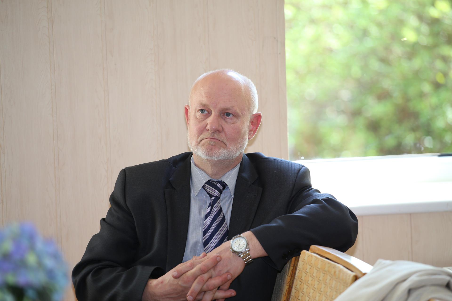 Kėdainių ligoninės direktorius Stasys Skauminas neabejoja, kad Seimo priimtas sprendimas pagerins situaciją ligoninėse, jei tikrai joms bus skirtas realiai reikiamas finansavimas./ Algimanto Barzdžiaus nuotr.