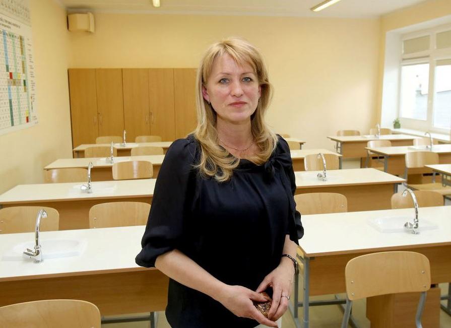Mokyklos direktorė Tereza Sotnik tikina, kad tėvams baimintis nėra ko – situacija yra kontroliuojama./ A. Barzdžiaus nuotr.