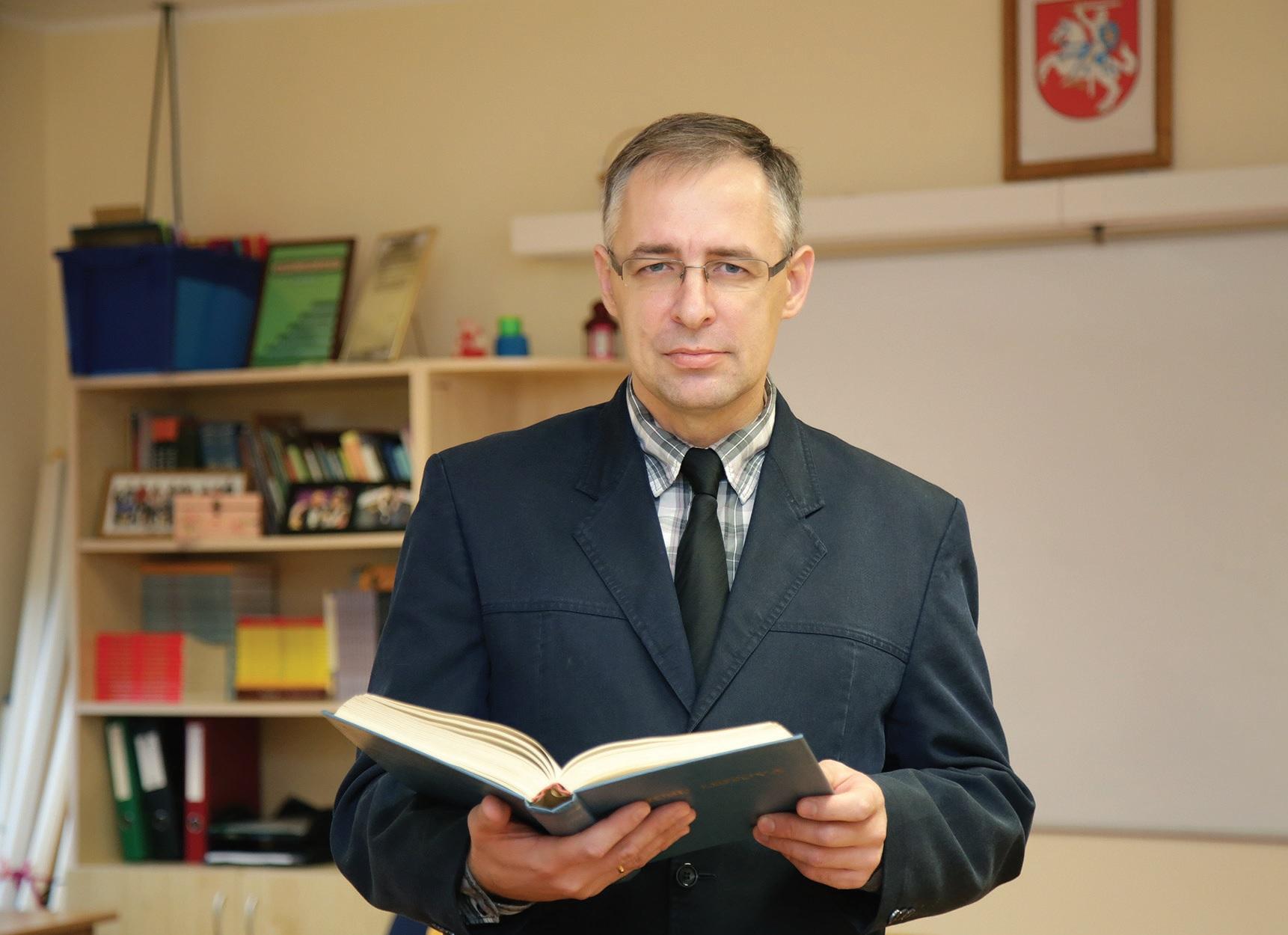 Josvainių gimnazijos Istorijos mokytojas Vaidas Grišinas. G. Minelgaitės-Dautrės nuotr.