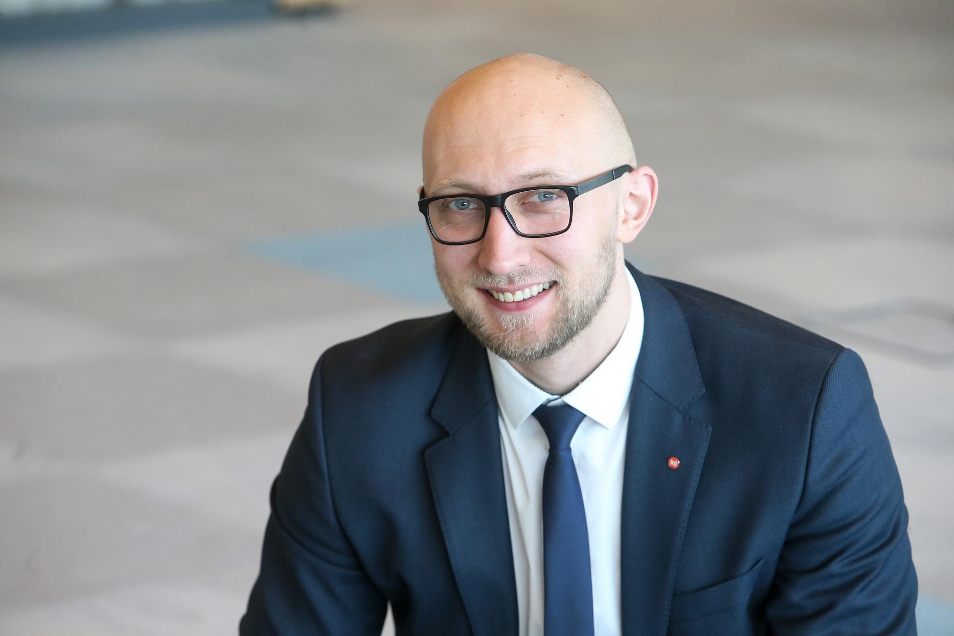 """Bendrovės """"SK-ID Solutions"""" vadovas Lietuvoje Viktoras Kamarevcevas: """"Bendrai visose trijose Baltijos šalyse šiuo metu yra daugiau kaip 2,56 milijono unikalių naudotojų. Tai rodo, kad sprendimas atitiko vartotojų lūkesčius ir juos tenkina."""" / Asmeninio archyvo nuotr."""
