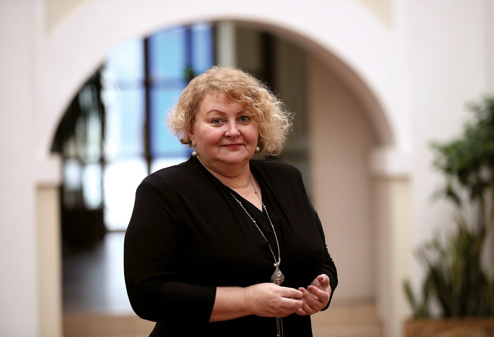 """Kėdainių Šviesiosios gimnazijos direktorė Violeta Liutkienė atkreipė dėmesį, kad geri mokyklos rezultatai motyvuoja ir mokytojus, ir pačius mokinius. Algimanto Barzdžiaus/""""Rinkos aikštės"""" archyvo nuotr."""