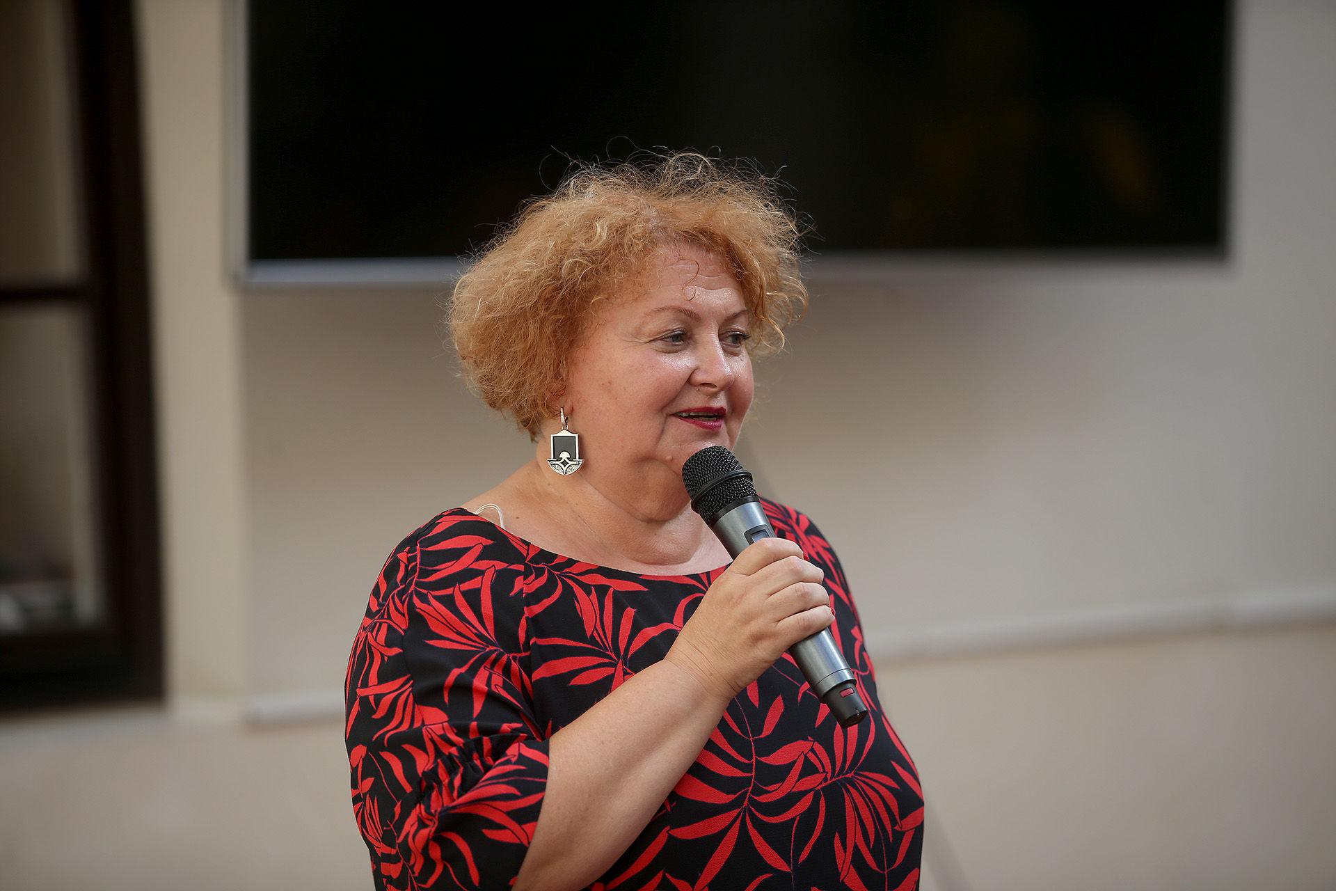 """Šviesiosios gimnazijos direktorė Violeta Liutkienė: """"Sėkmės ir lyderystės mokyklos tikslas lieka tas pats. Tai – emocinį, dvasinį ir fizinį intelektą ugdanti programa.""""  / Algimanto Barzdžiaus nuotr."""