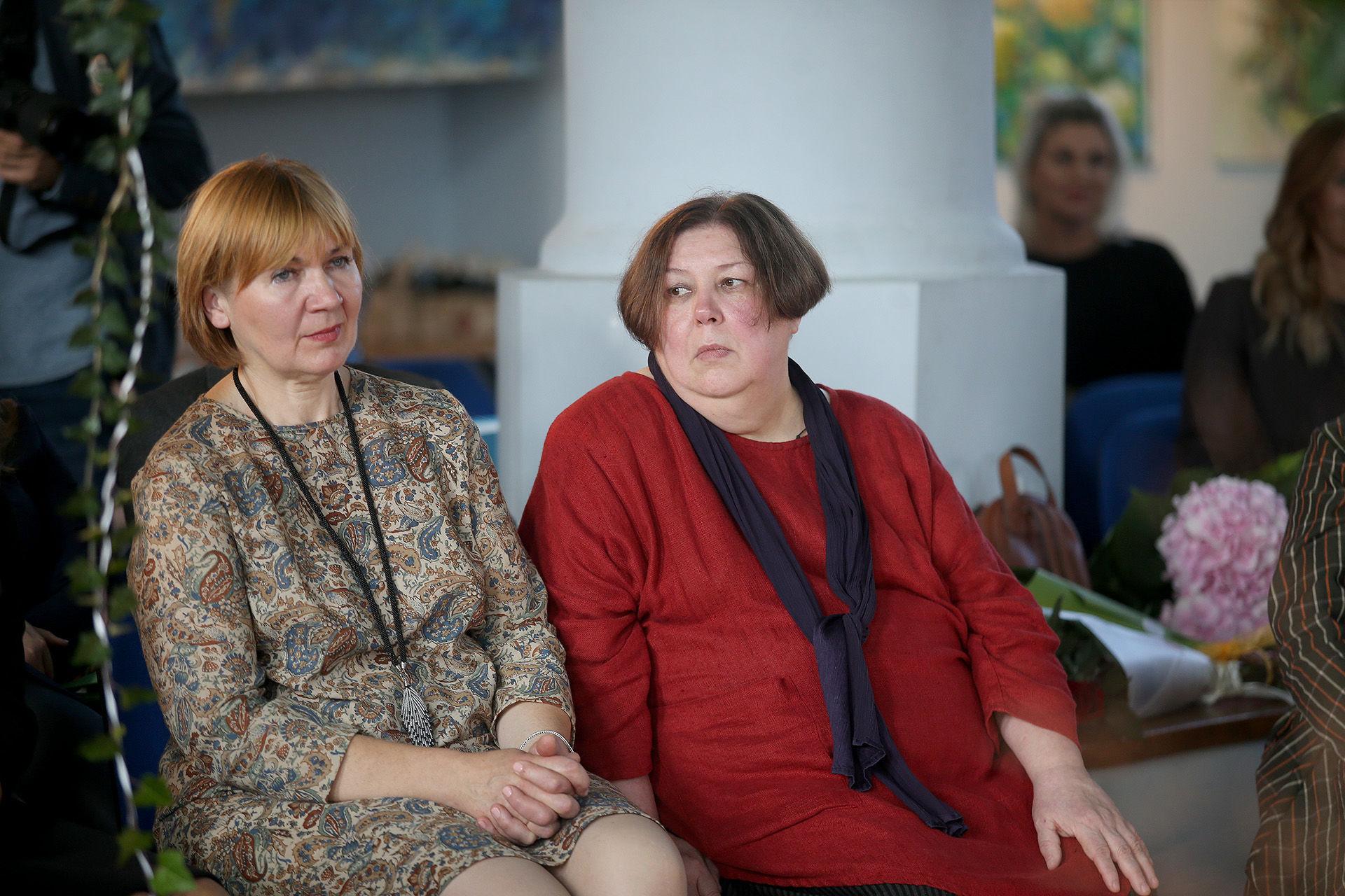 Ilgametės Kėdainių dailės mokyklos pedagogės, darbui su vaikais atiduodančios visą savo širdį, Eligija Venclovienė (kairėje) ir Irina Dima. / A. Barzdžiaus nuotr.