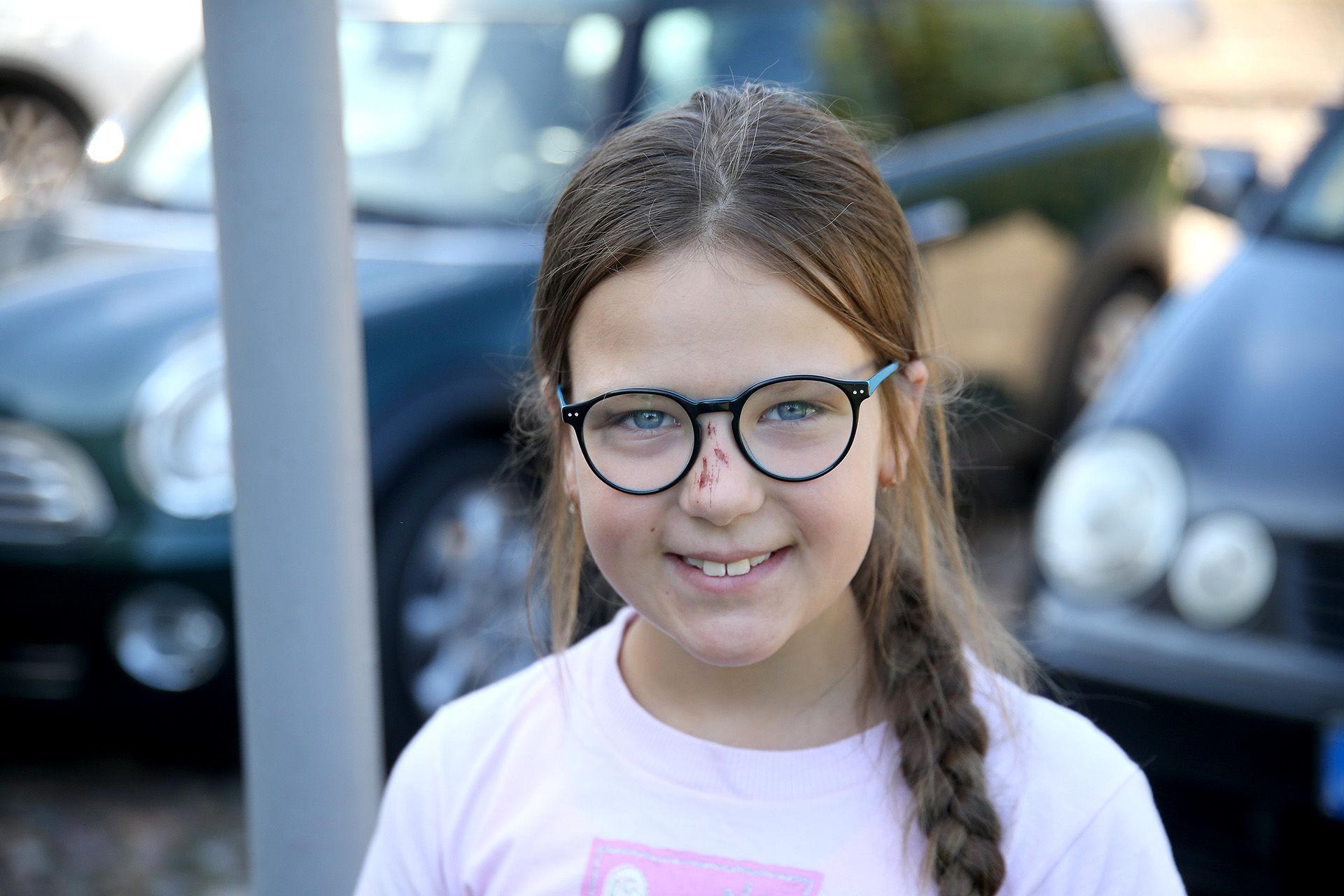 Šiais metais Dailės mokyklą pradėsiančiai lankyti devynmetei Judrei didžiausią įspūdį paliko animacinio filmuko kūrimas bei jaunųjų stovyklautojų apsilankymas Pepės vilaitėje. / Algimanto Barzdžiaus nuotr.