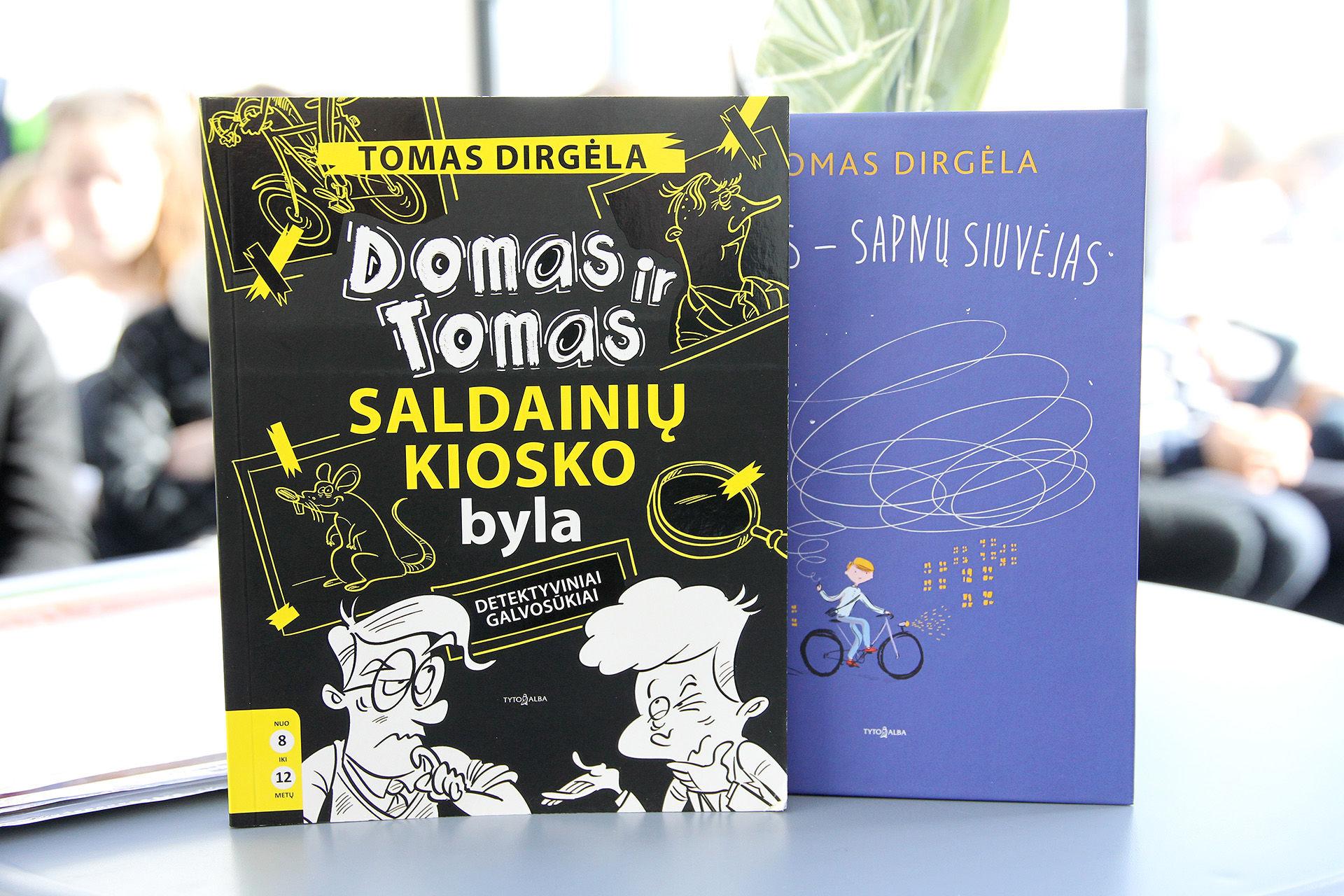 Tomas Dirgėla į vaikų širdis prisibelsti bando pasitelkdamas humorą, jo gausu tiek jo knygose, tiek pačių knygų pristatymuose. A. Barzdžiaus nuotr.