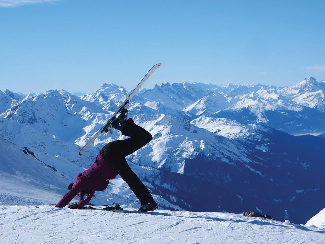 Jogos kraštietė Vlada Butkienė neapleidžia net poilsiaudama Alpėse. Asmeninio archyvo nuotr.