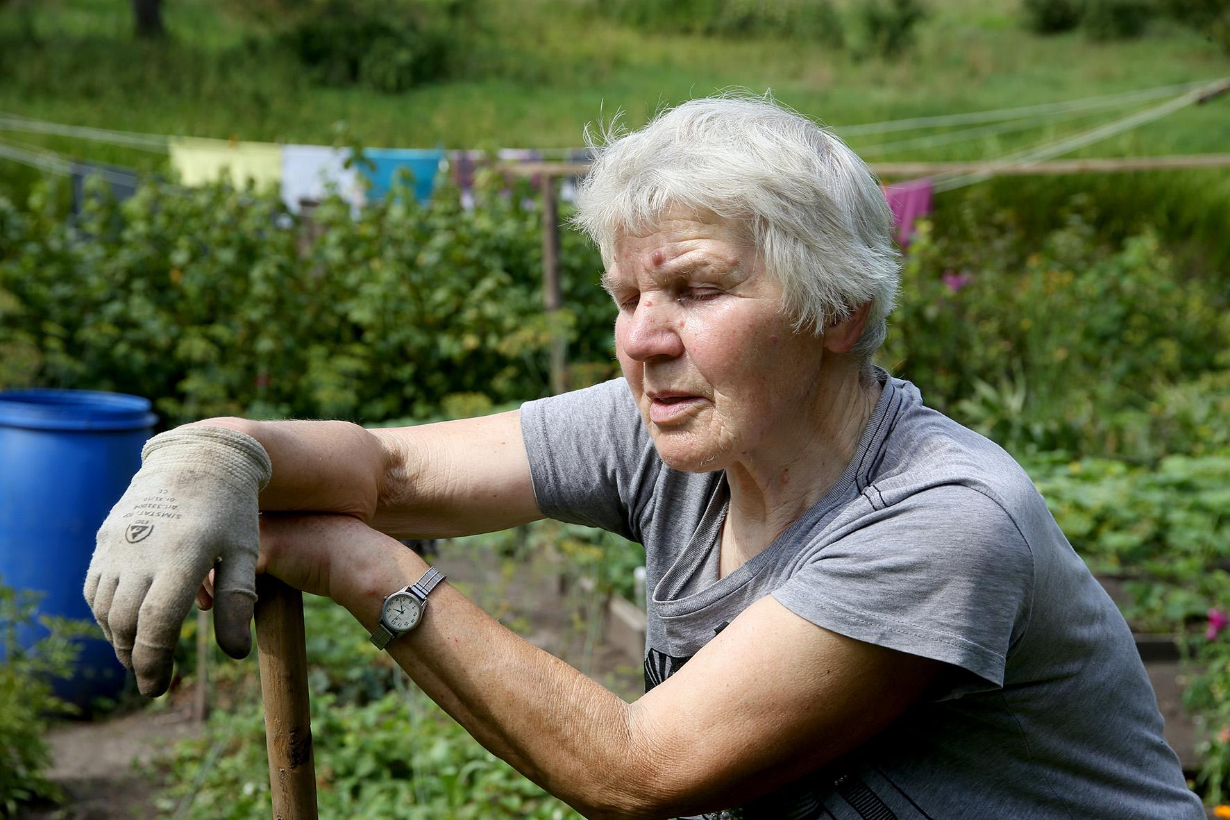 Terespolyje penkiasdešimt metų išgyvenusi Vanda kraustytis iš šio ganėtinai atokaus kampelio tikrai neketina. Kaip ji patikino, jos dukra taip pat. A. Barzdžiaus nuotr.