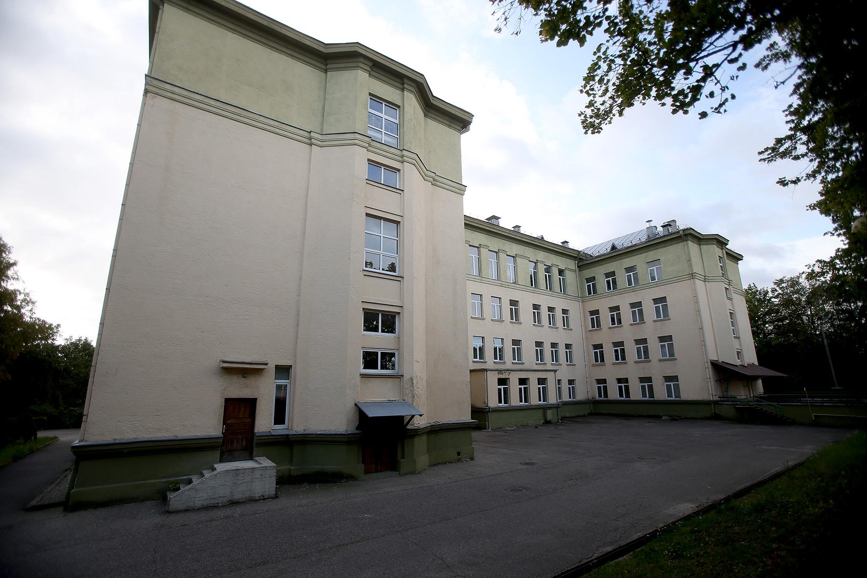 Pastatas, kuriame buvo įsikūręs Kauno kolegijai priklausęs Kėdainių Jonušo Radvilos studijų centras, šiuo metu įtrauktas į parduodamo turto sąrašą./ Algimanto Barzdžiaus nuotr.