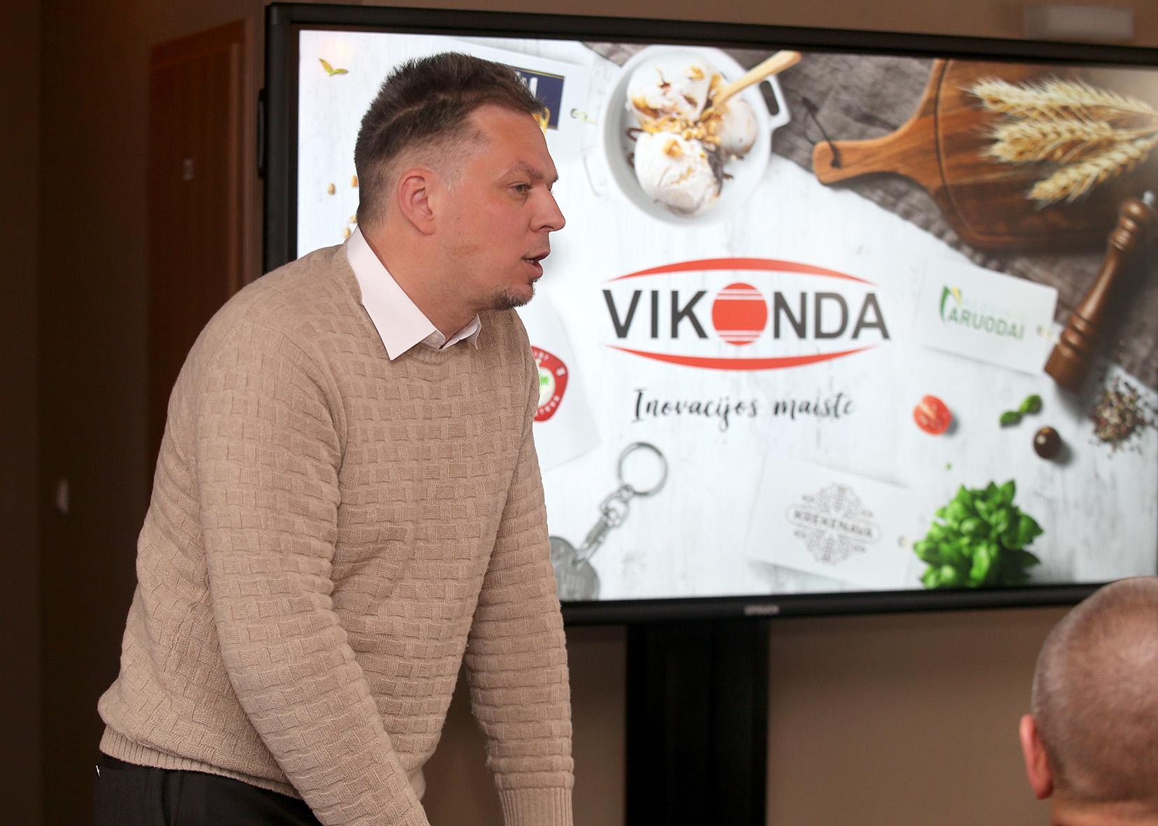 """Koncerno """"Vikonda"""" generalinis direktorius Mindaugas Snarskis praėjusią savaitę skirtingų sričių profesionalus, lyderiaujančius rinkos analizės, vartotojų elgsenos ir jų poreikių tyrimų bei inovacijų diegimo srityse, sukvietė į forumą. A. Barzdžiaus nuotr."""