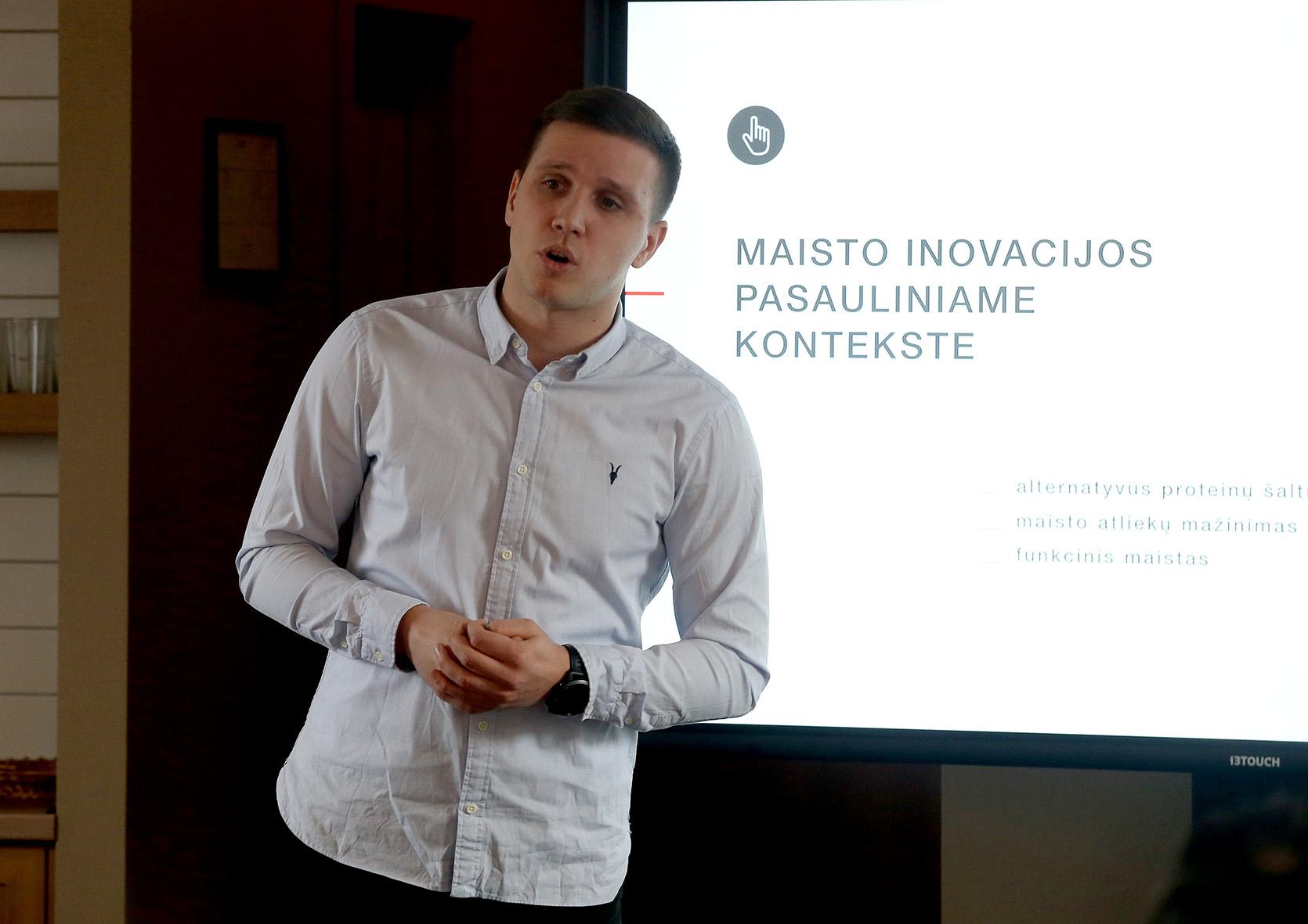 """Paulius Guzevičius: """"Siekdami būti konkurencingais, turime prisitaikyti prie kintančių vartotojų poreikių, kurie šiame technologijų amžiuje sparčiai evoliucionuoja."""" A. Barzdžiaus nuotr."""