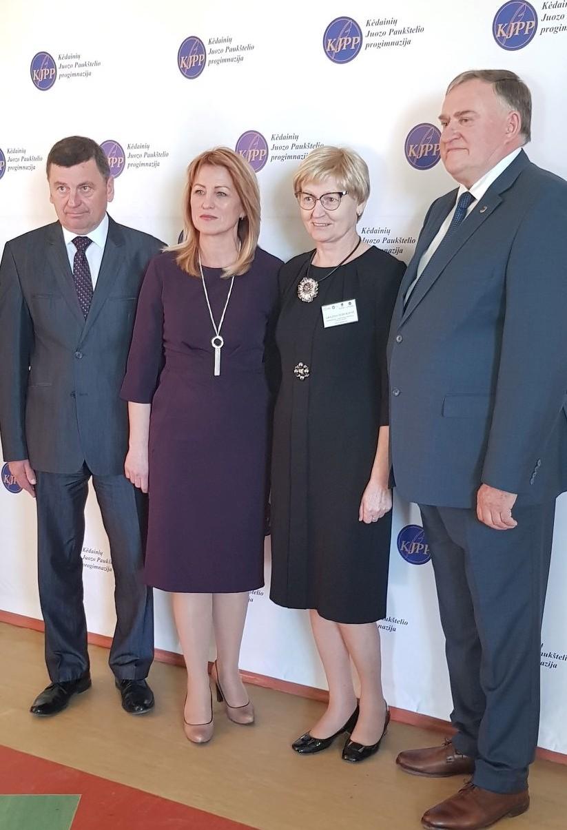Į konferenciją susirinkusius švietimo darbuotojus pasveikino Kėdainių meras Valentinas Tamulis. Ugdymo įstaigos nuotr.