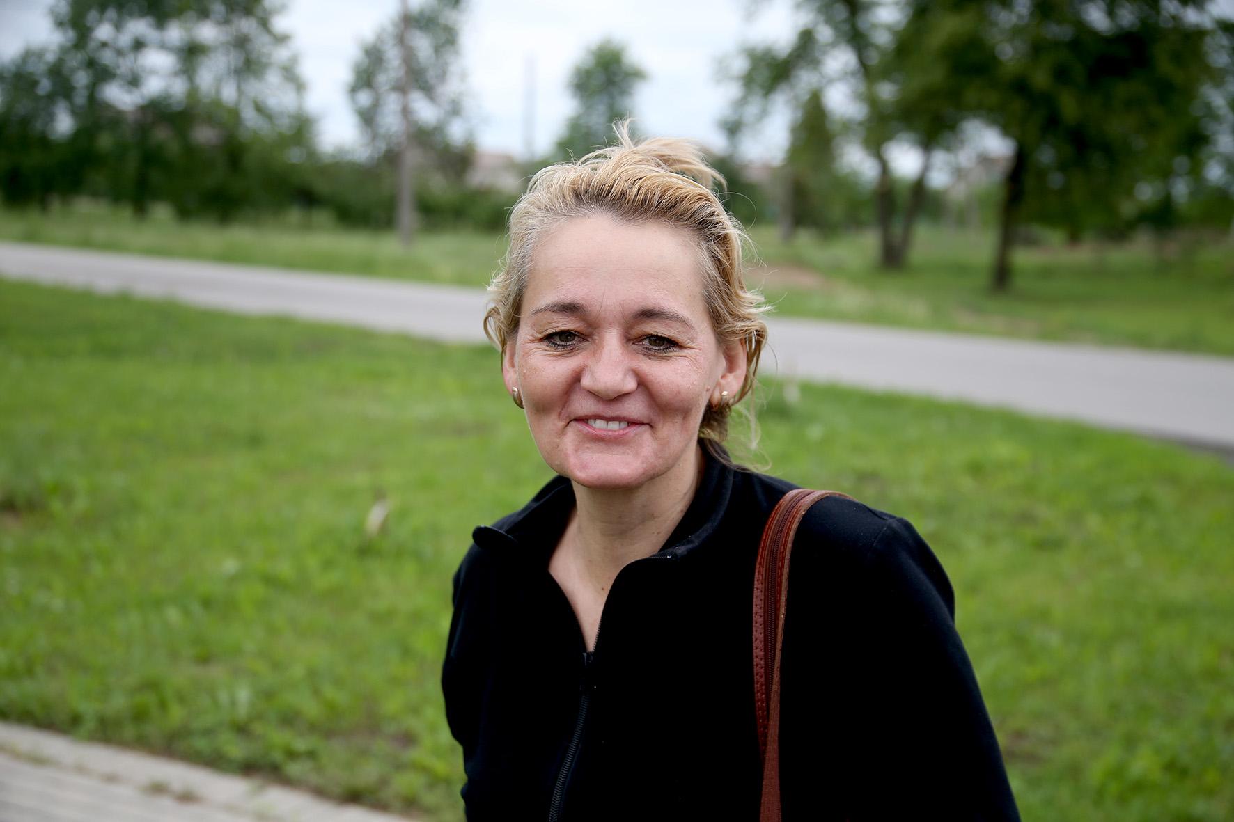 Sigita Žilinskienė augina didžiulį braškyną ir bambukyną. Kunionių kaime 7 hektarų ūkį turintys Sigita ir Nerijus Žilinskai augina keturių veislių bambukus. A. Barzdžiaus nuotr.