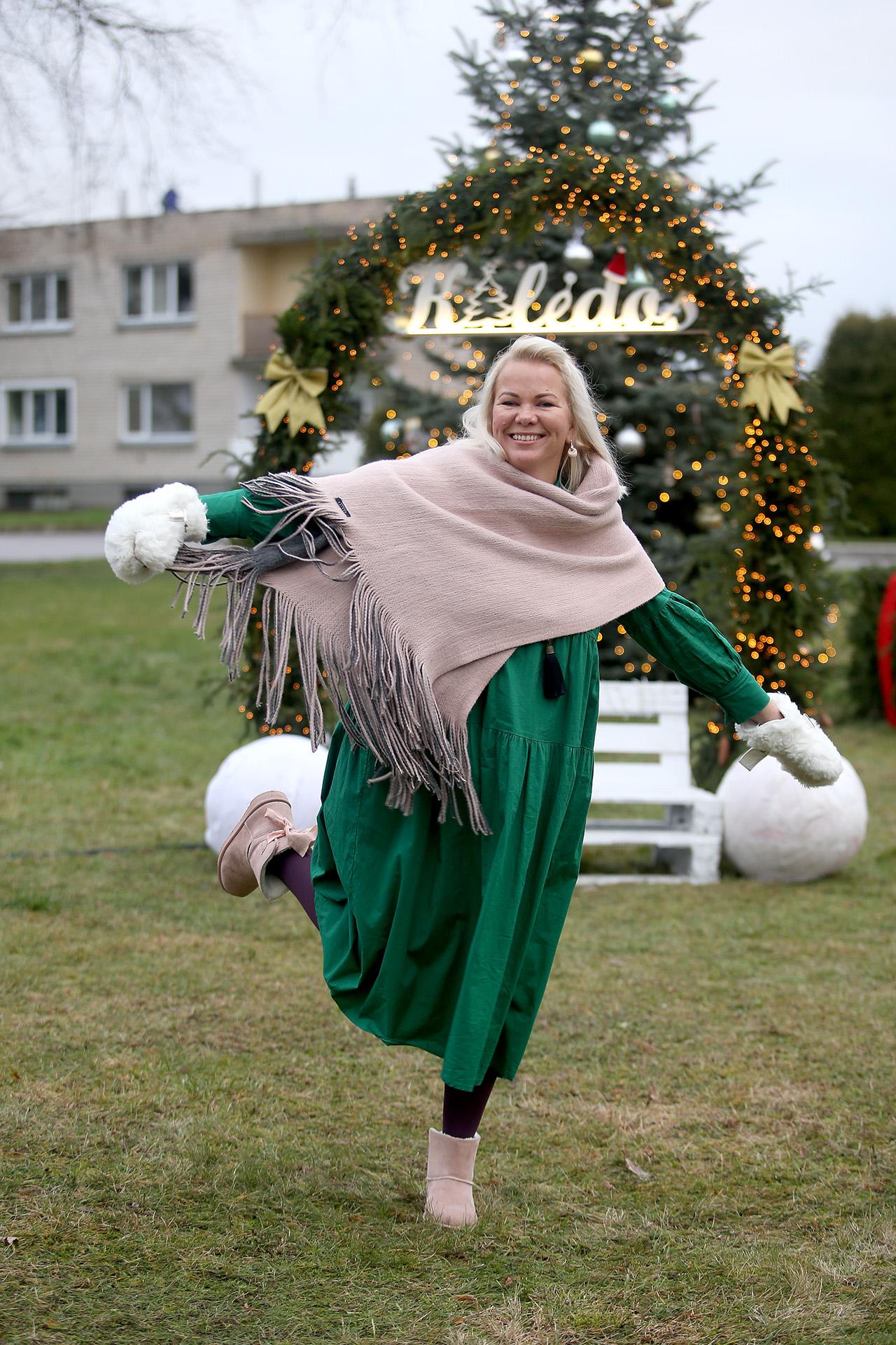 """Labūnavos pagrindinės mokyklos """"Ąžuoliuko"""" skyriaus bendruomenės kompoziciją kūrė auklėtoja Kristina Gadišauskienė. / A. Barzdžiaus nuotr."""