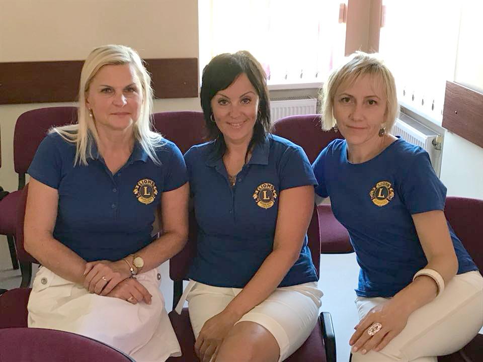 Pavargusios, bet laimingos Kėdainių moterų LIONS klubo narės Saulutė Kairienė (iš kairės), Sniežana Slavinskienė ir Jurgita Grigarienė. Kėdainių moterų LIONS klubo nuotr.