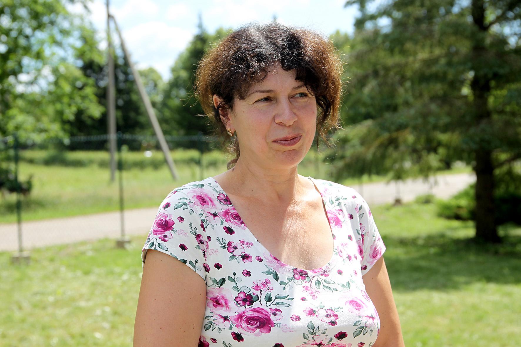 Kėdainių Mikalojaus Daukšos viešosios bibliotekos Plinkaigalio filialo bibliotekininkė Jūratė Mitkuvienė visados pastebi kitų nuveiktus darbus.