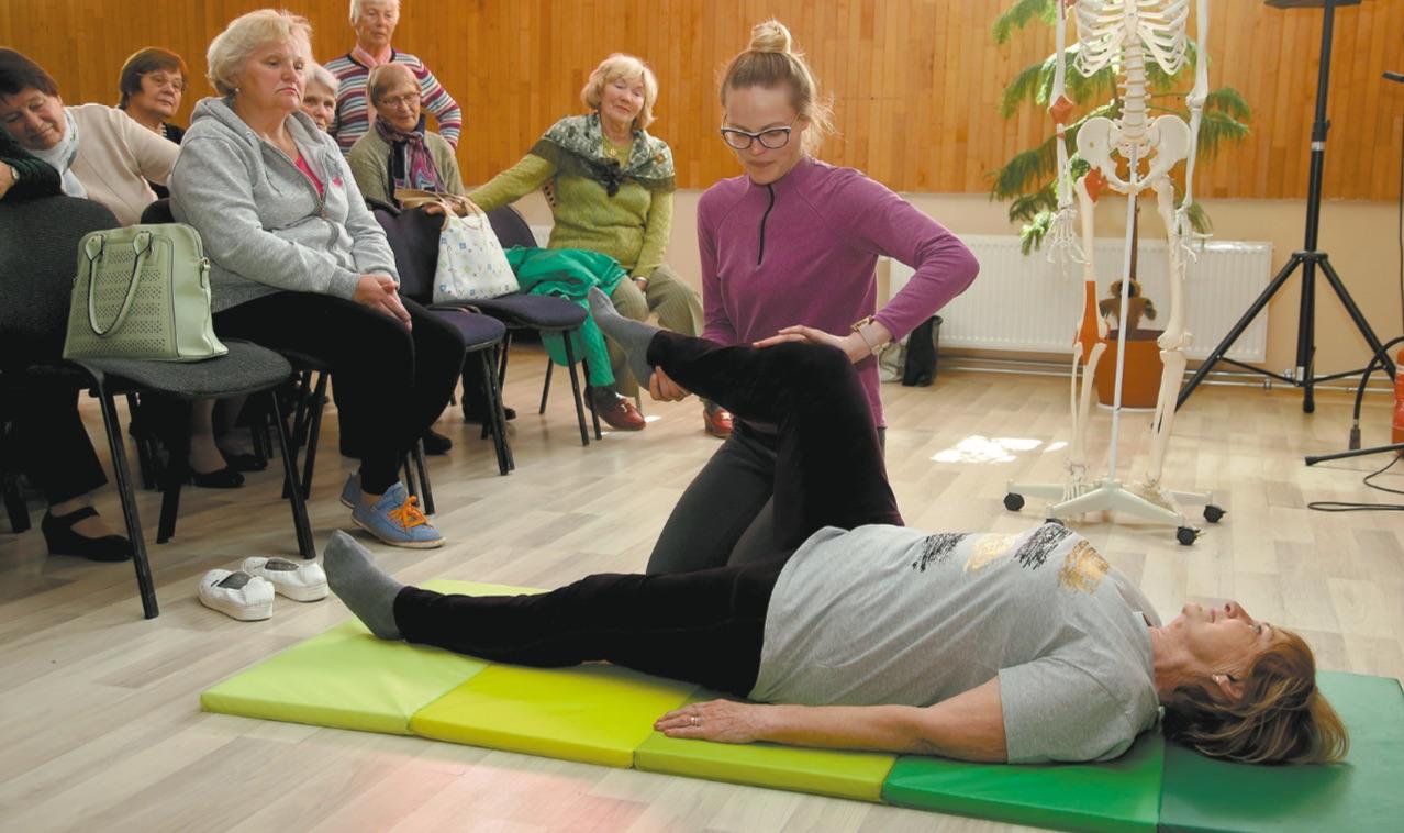 Pasak sveikatos specialistės, nors nugaros skausmus dažniau kenčia suaugę ir pagyvenę asmenys, tačiau jie sparčiai plinta ir tarp vaikų bei jaunimo. Algimanto Barzdžiaus nuotr.