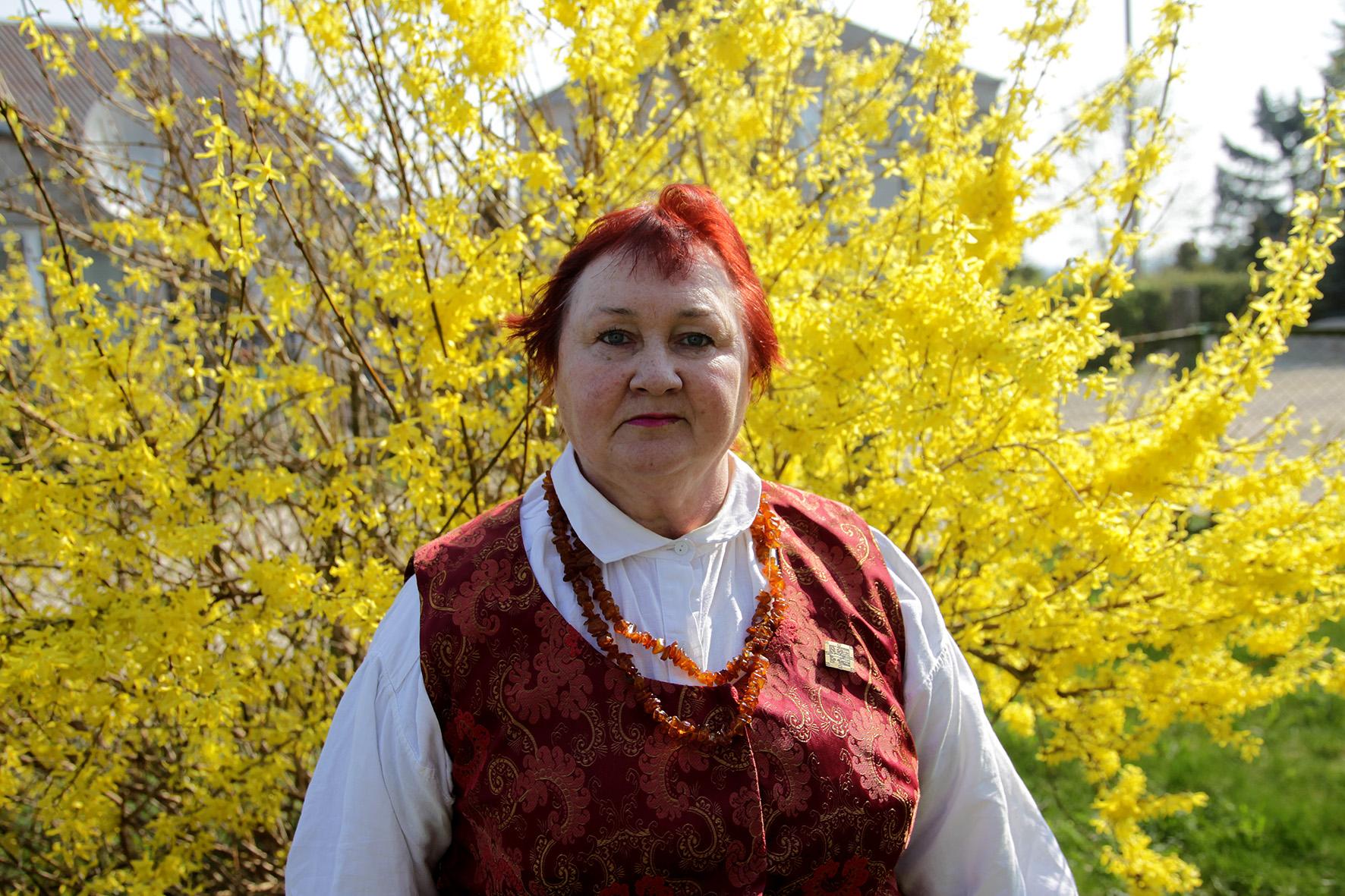 Violeta Kažukauskienė-Urbonavičienė pasakoja, kad Sirutiškis garsus savo tradicijomis. Čia bendruomenė švenčia įvairias šventes, tiek tradicines lietuvių šventes, tiek labai įdomias, tradicines, bet mažai kur Lietuvoje švenčiamas. A. Barzdžiaus nuotr.