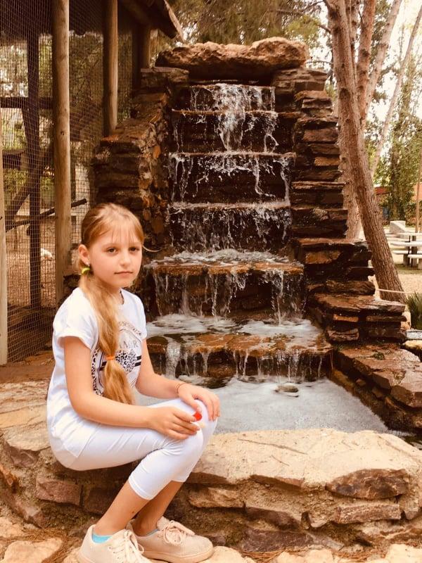 Danutės ir Romo anūkėlė Amanda Huercal Overa parke. Danutė nepaprastai didžiuojasi savo anūkėle, kuri stebina savo žinių troškimų ir kūrybiška dvasia. / Asmeninio archyvo nuotr.