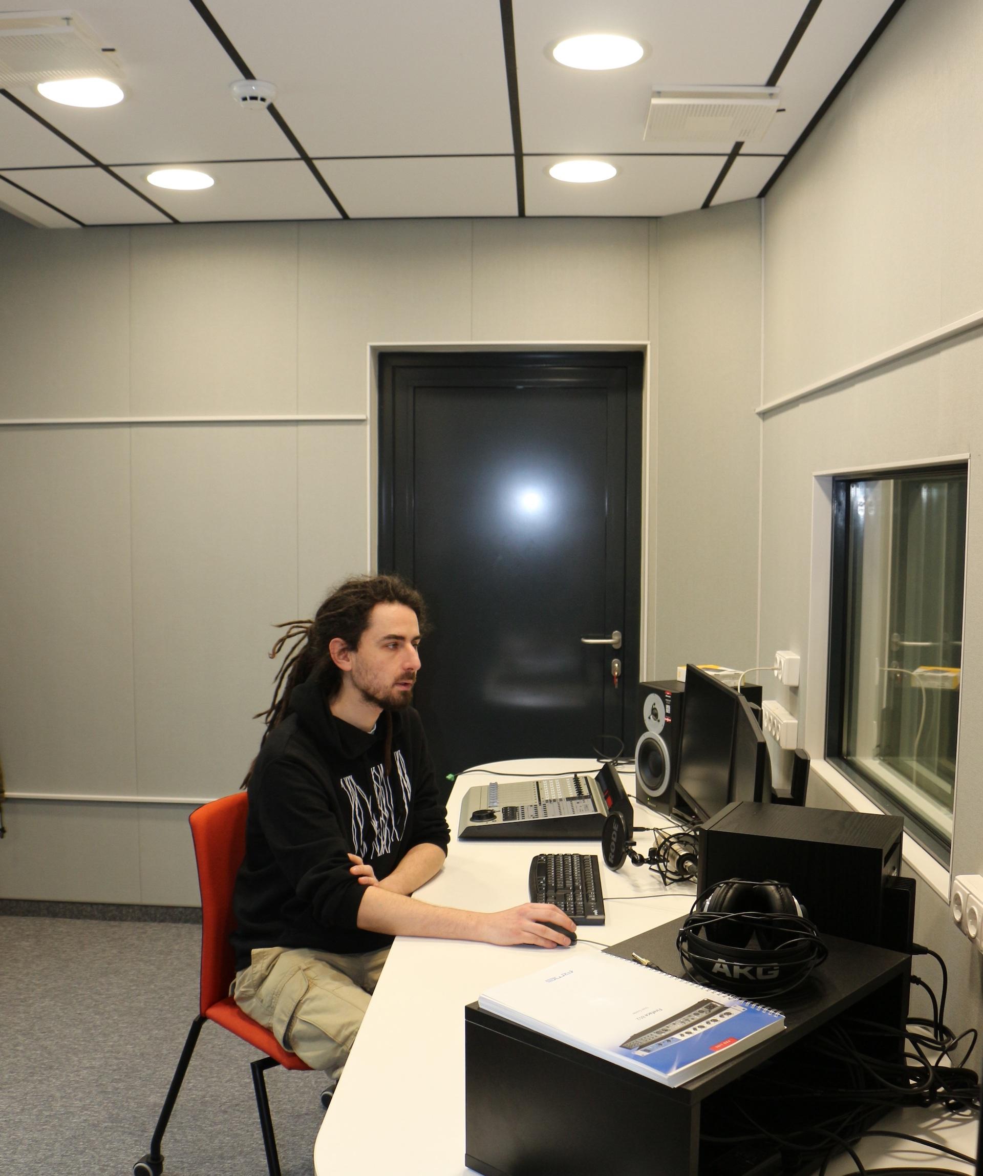 M. Nistirenko viliasi, kad įrašų studijos paklausa bus pakankamai solidi. Jo teigimu, studijos buvimas skatins žmones kurti, ateiti, daryti įrašus, tobulėti muzikos srityje. / Eglės Kuktienės nuotr.