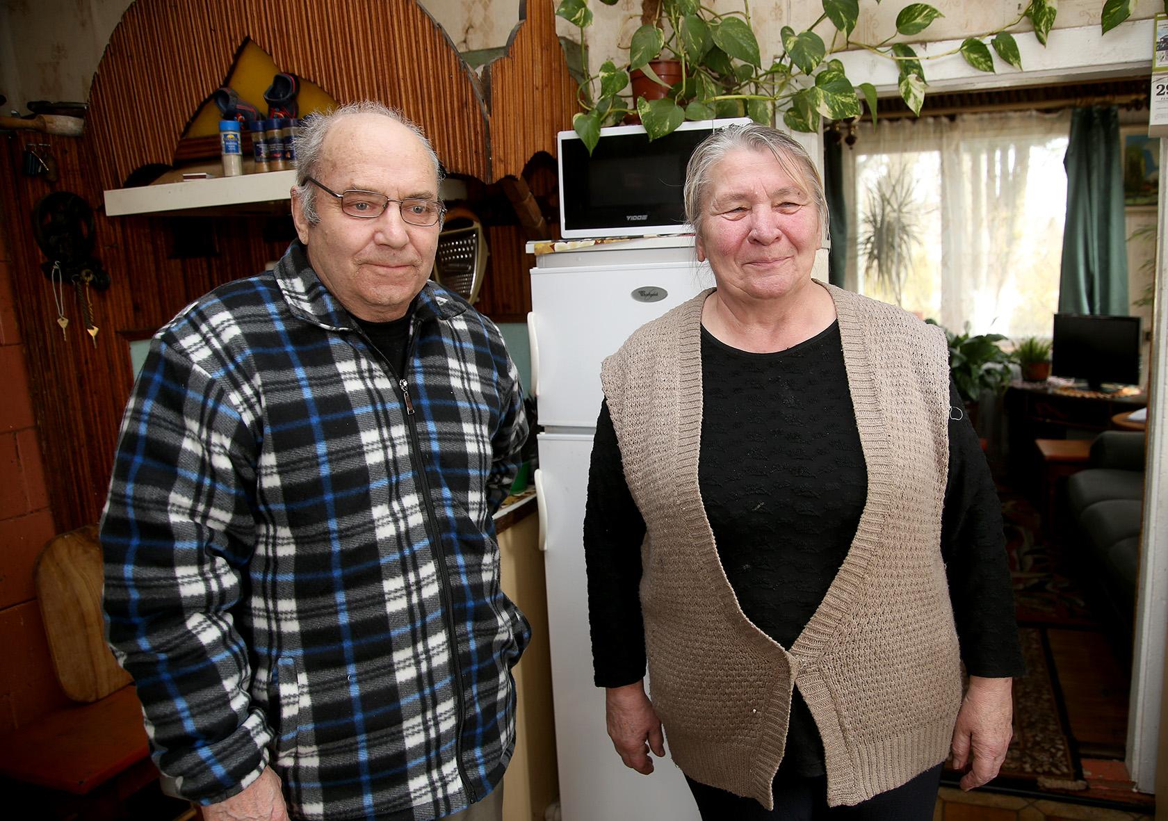 Svilių kaimo šokiuose susipažinę Leonas ir Janina Lukošiai bendro gyvenimo keliu eina jau 52 metus. A. Barzdžiaus nuotr.