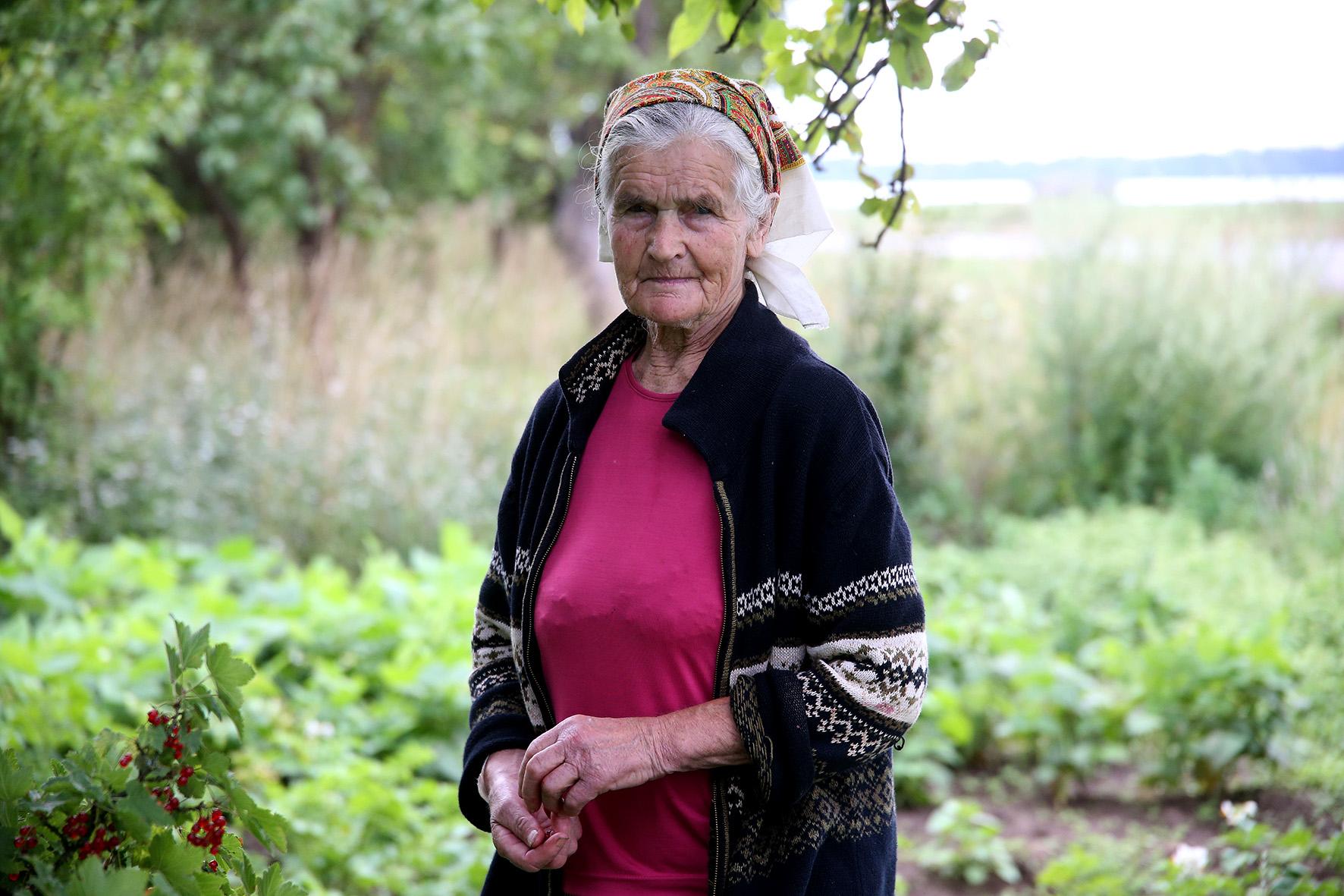 Susipažįstame su kaimo senole – devintą dešimtį skaičiuojančia senjore Genovaite. A. Barzdžiaus nuotr.