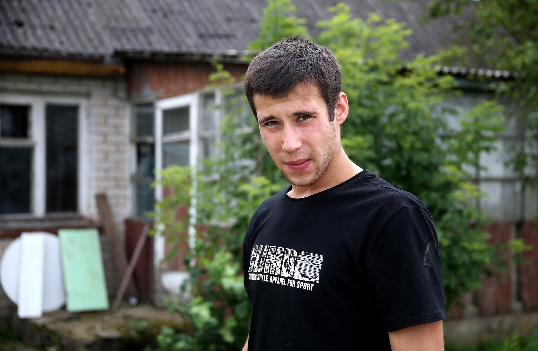 Marius Užkapių kaime įsikūrė visai neseniai. Jaunas vyras čia planuoja savo ateitį.