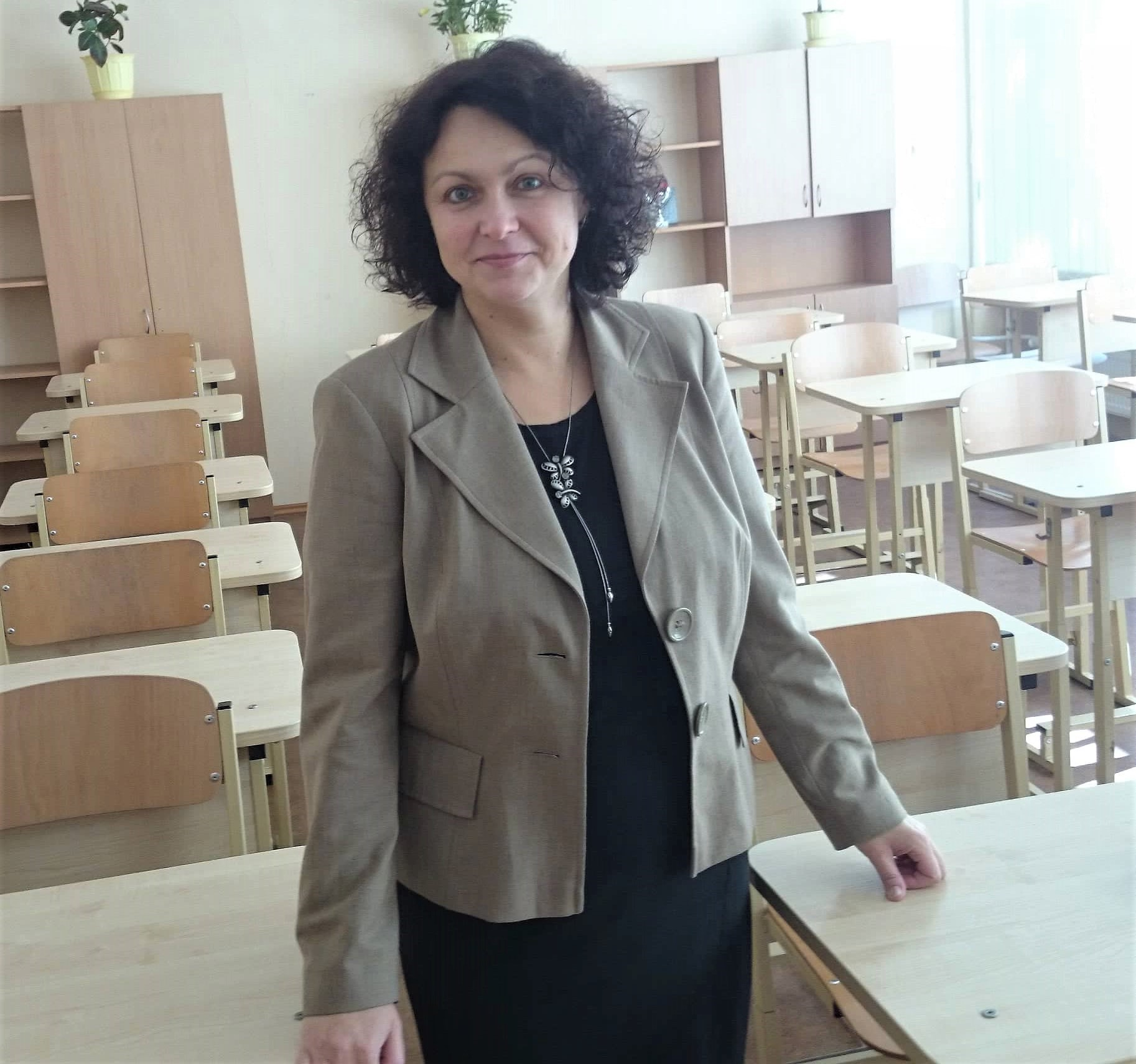 Klasės auklėtoja Asta Krapikienė atskleidžia, kad jai niekad nėra tekę mokyti kitataučių. Tad reikėjo nemažai pasistengti, kol atrado mokymo metodiką bei bendravimą su užsieniečiu. Asmeninio archyvo nuotr.